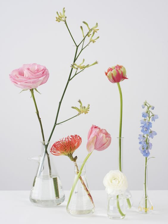 Image via  here.   My absolute favorite way to display flowers.