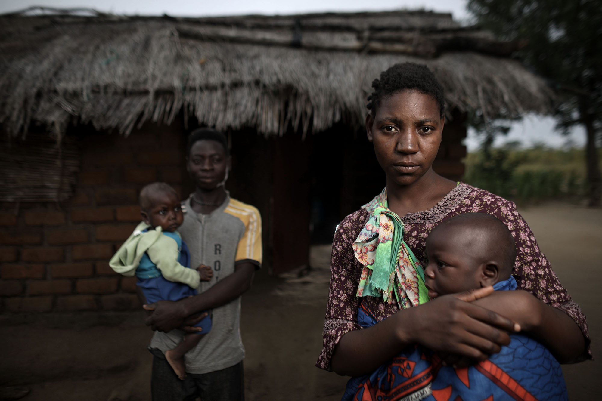 Maness, left, her mother, Mariam Chinguwo, her father, Hastings Sandikonda and her brother. Photo by Josh Estey.