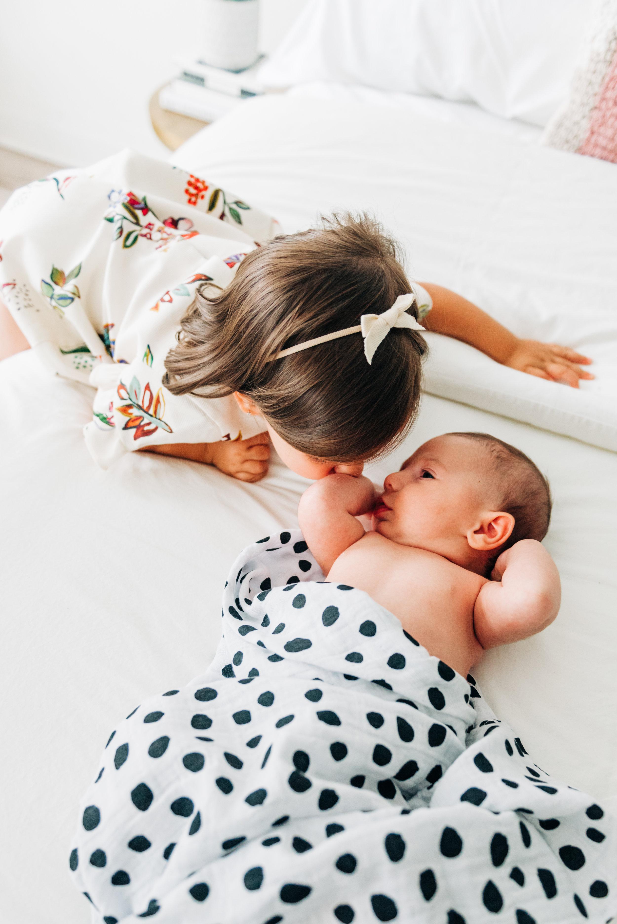 elles newborn session-4.jpg