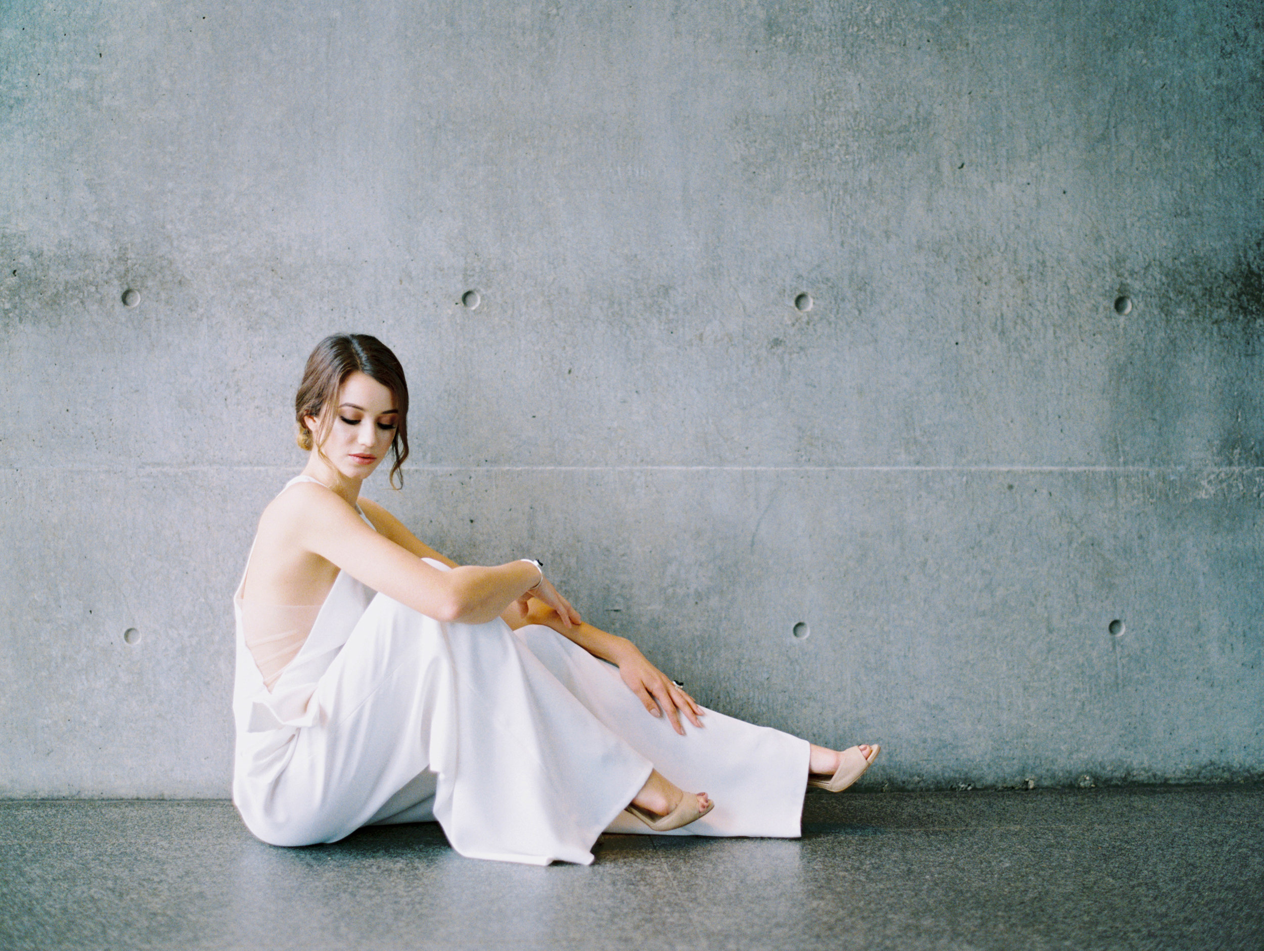 Lyons-Events-White-Jumpsuit-Allen-Tsai-Elizabeth-Leese-Bridal-Wedding