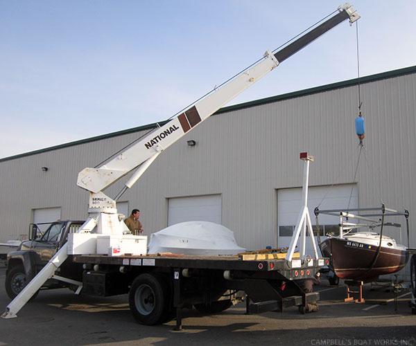 Crane Truck and Hoisting Frame