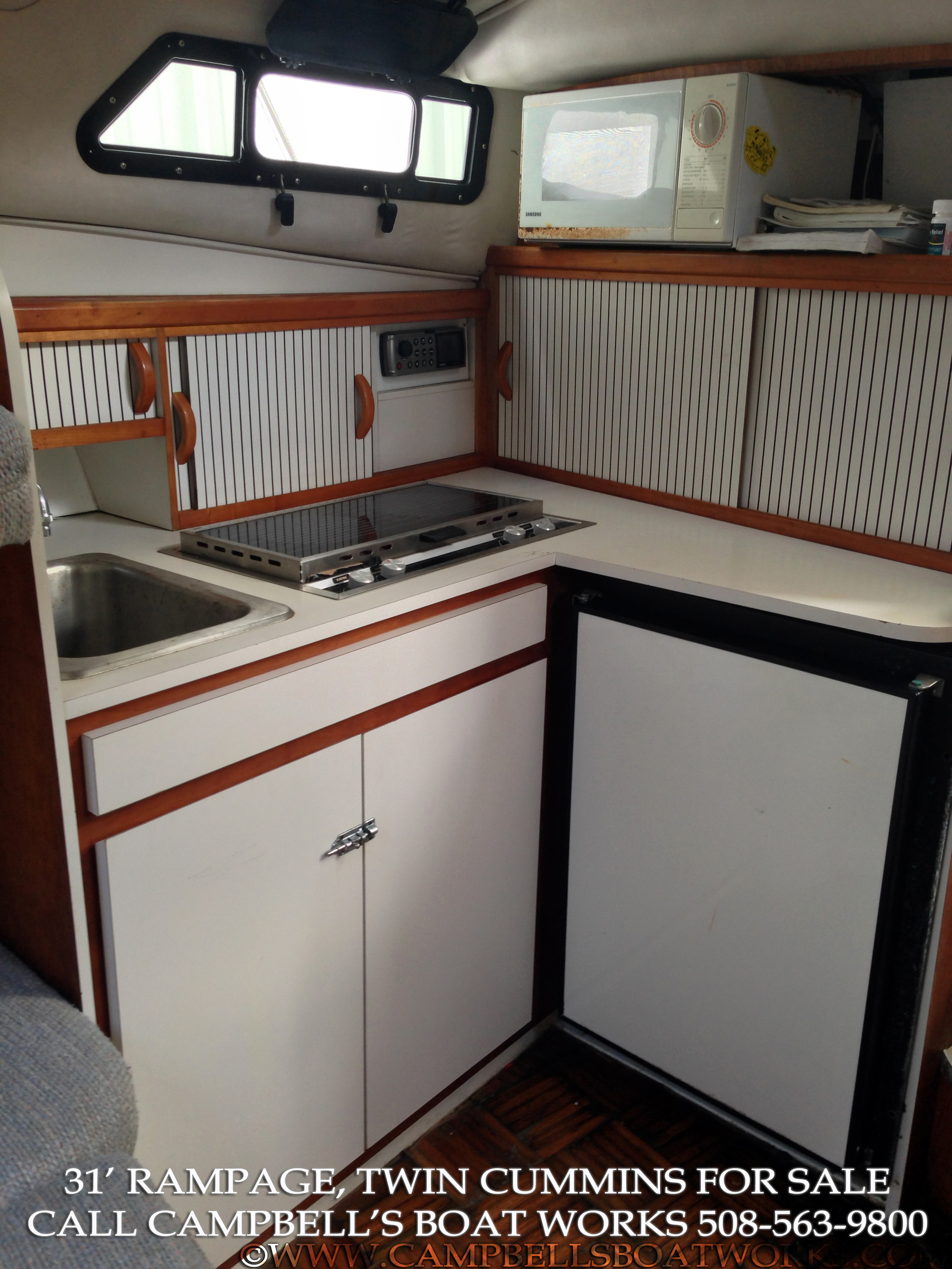 1990 31' Twin Diesel Rampage For Sale Galley