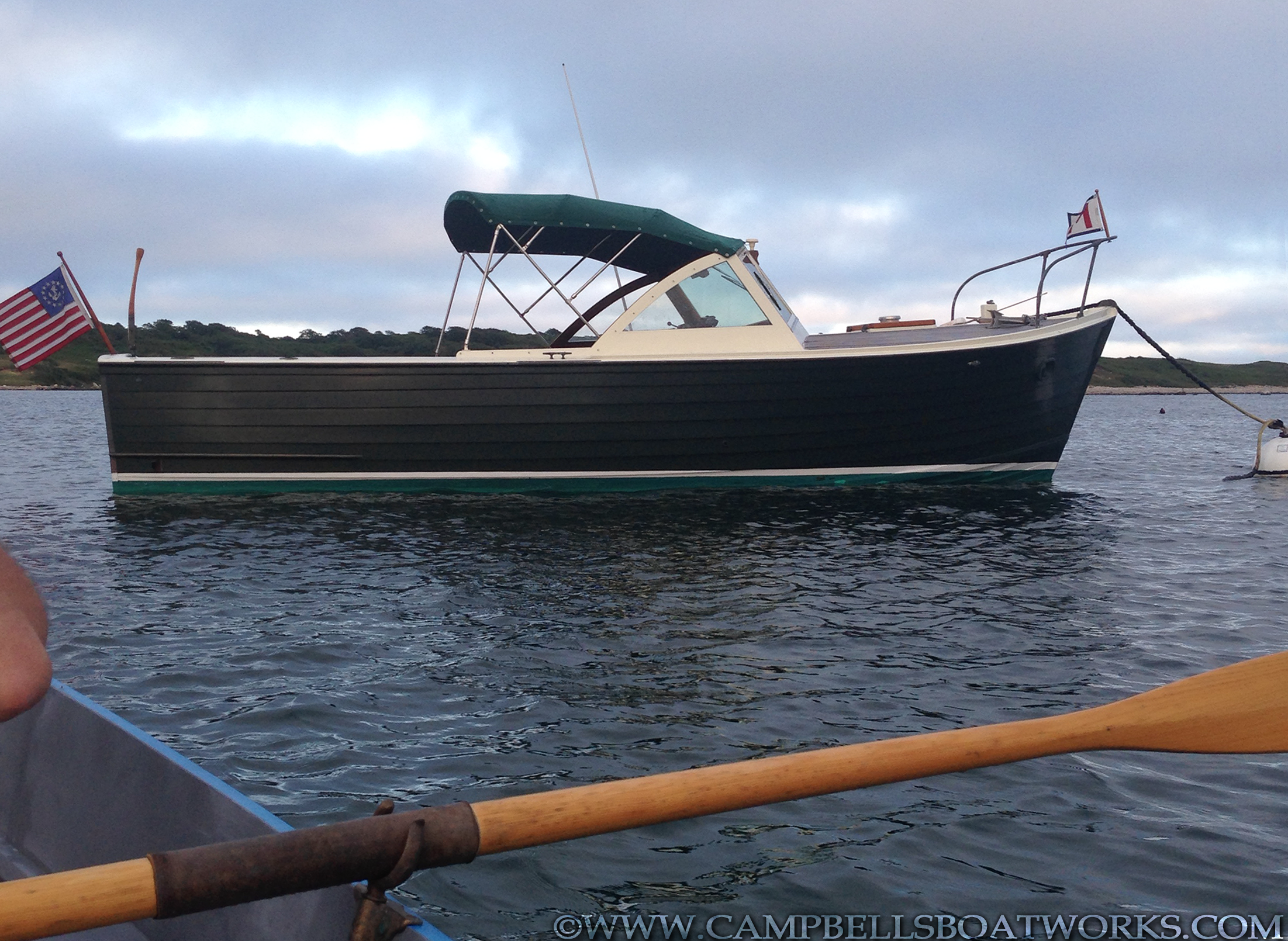 classic-wooden-inboard-power-boat-26-mackenzie-cuttyhunk-for-sale.png