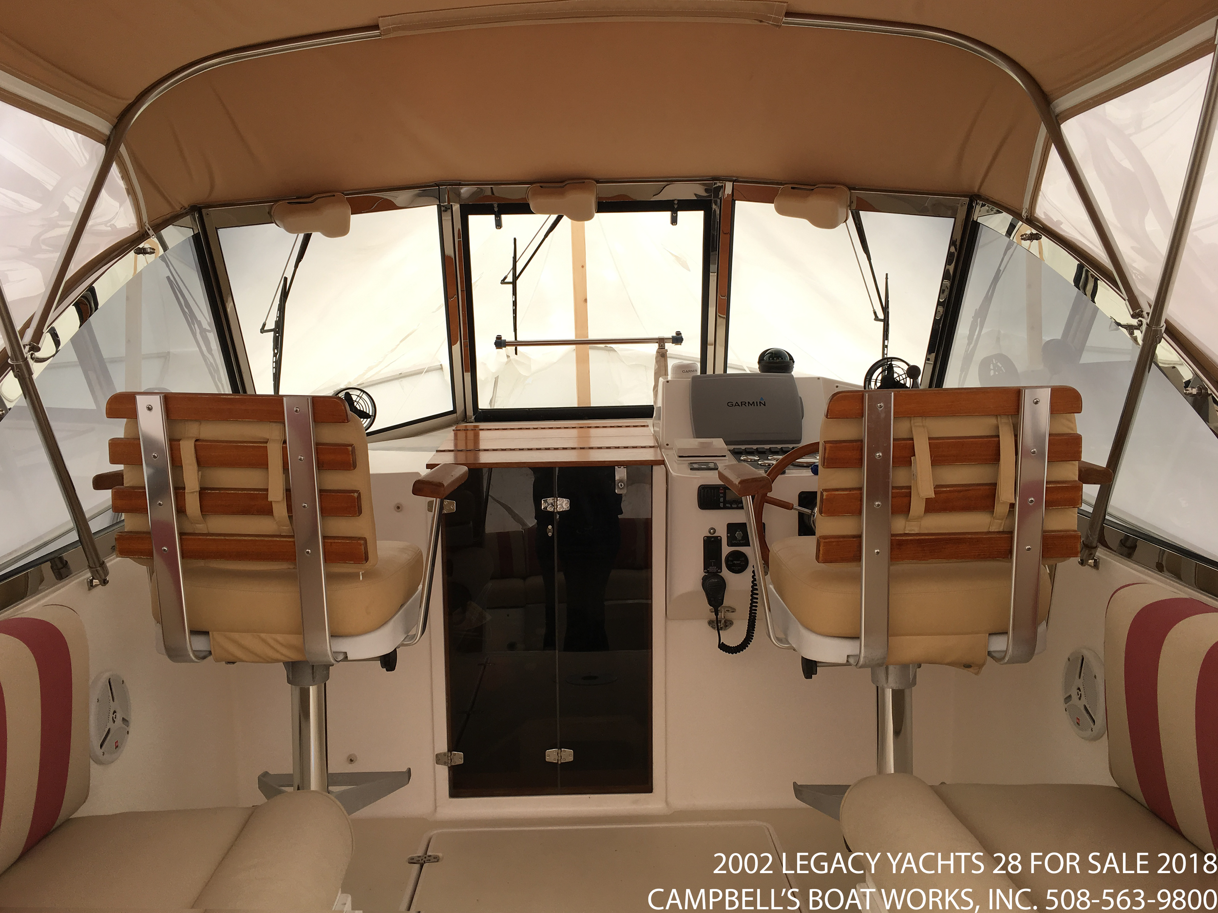 legacy-yachts-28-downeast-boat-for-sale-cockpit.png