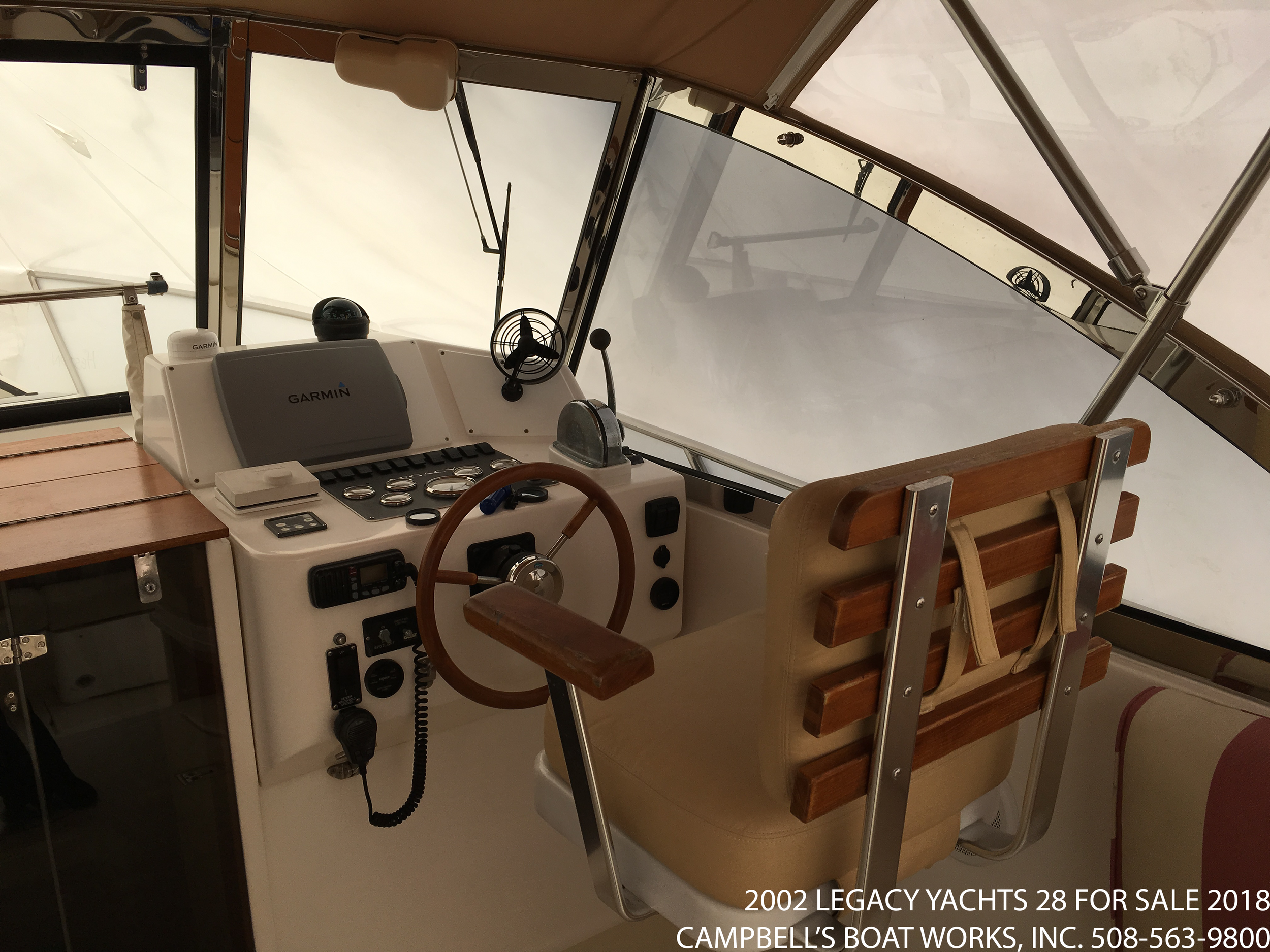 28-legacy-boat-for-sale-garmin-electronics.png