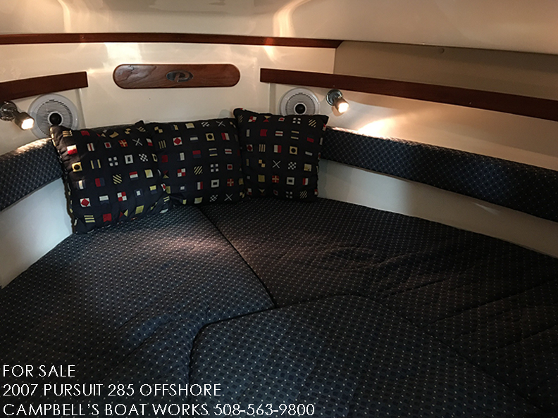 285-PURSUIT-OFFSHORE-FOR-SALE-V-BERTH.png