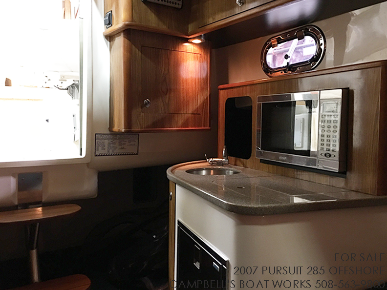 285-PURSUIT-OFFSHORE-GALLEY-2.png