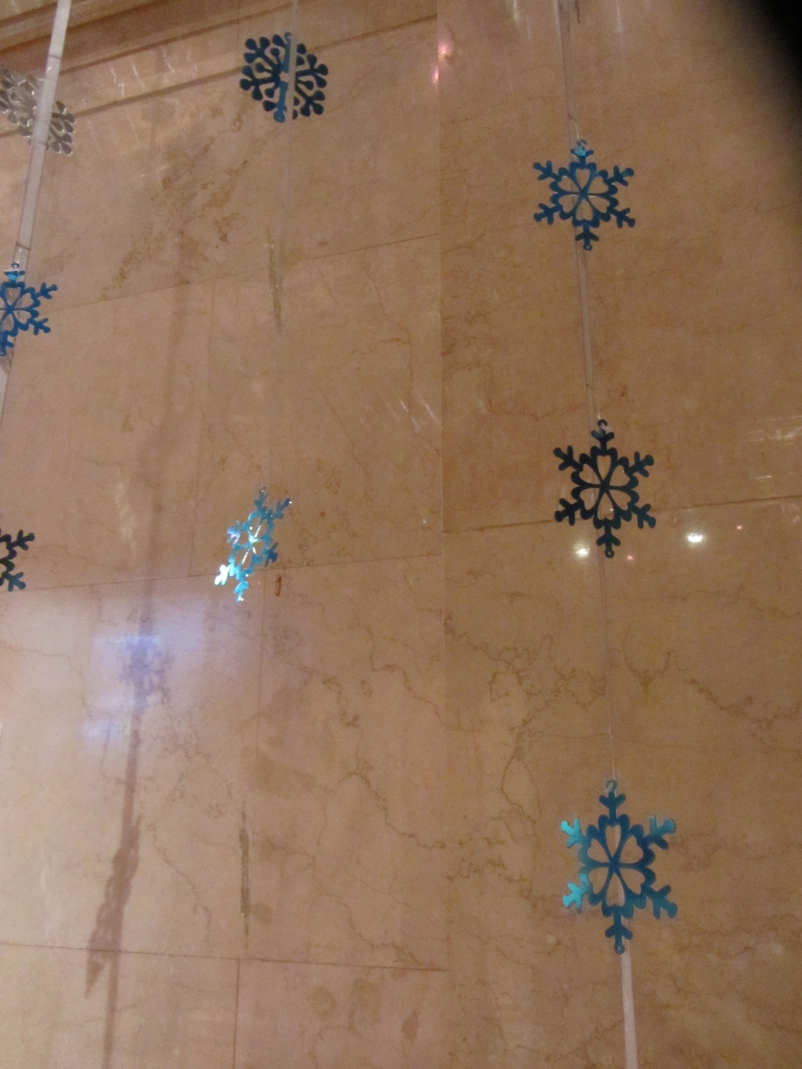 Completed snowflakes rigged in Cipriani