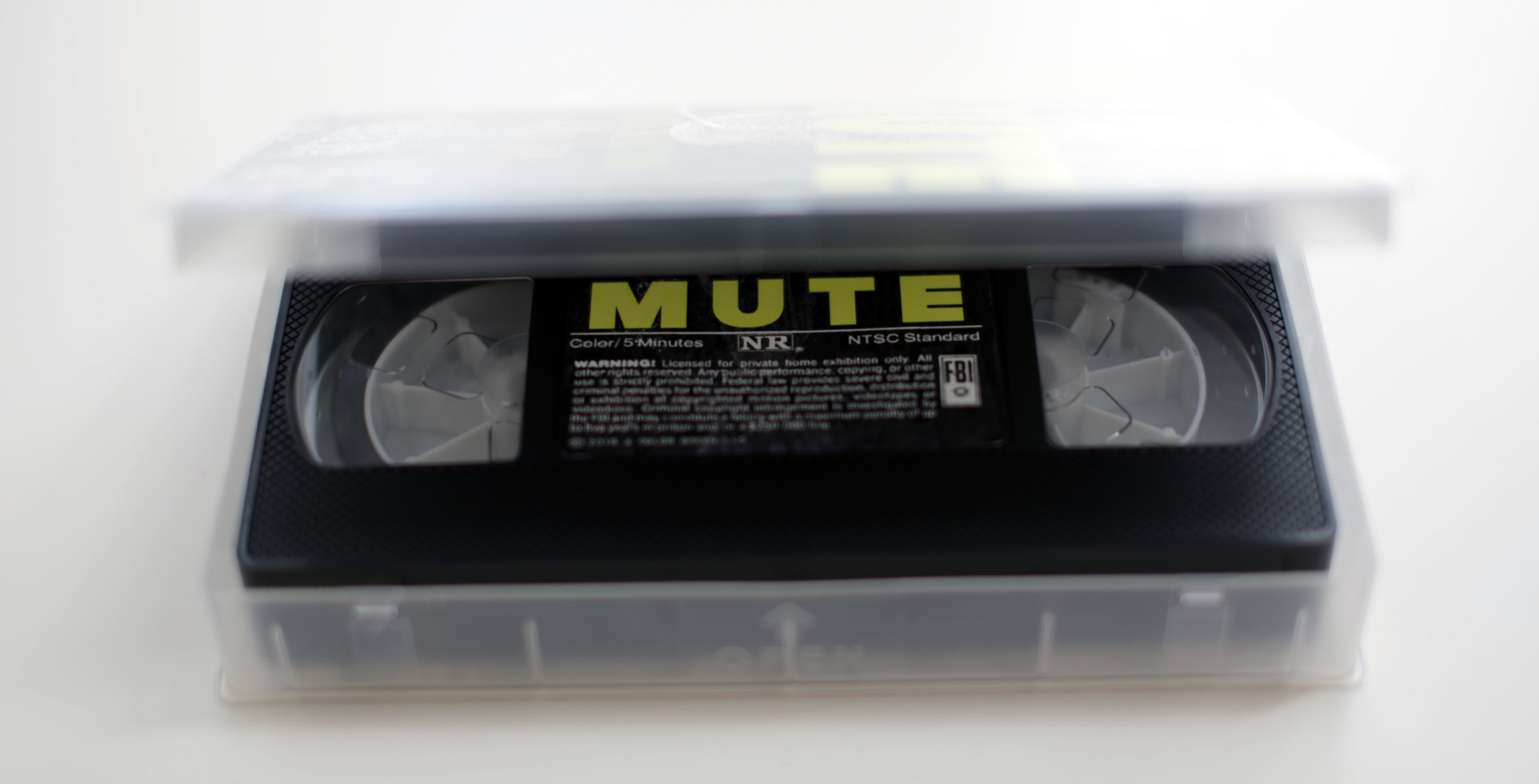 MUTE_INTERIOR.jpg