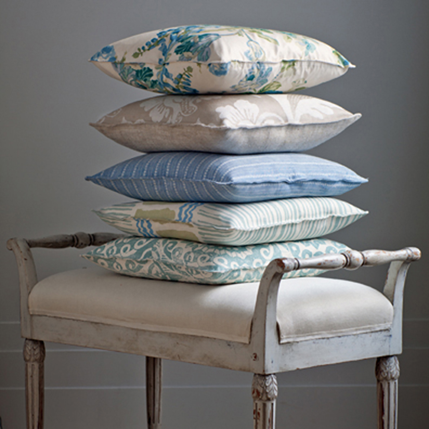 BLITHFIELD_COLLECTION_5_Pillows.jpg