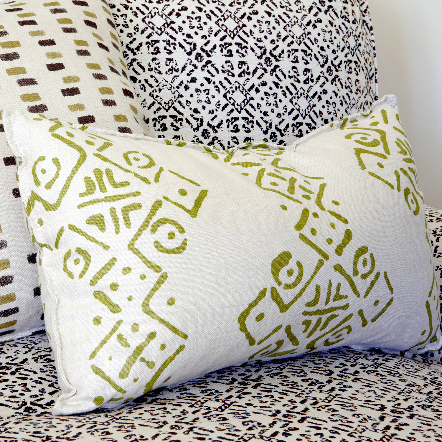 BLITHFIELD_CUSTOM_PRINT_COLLECTION_Bespoke cushions_2.jpg