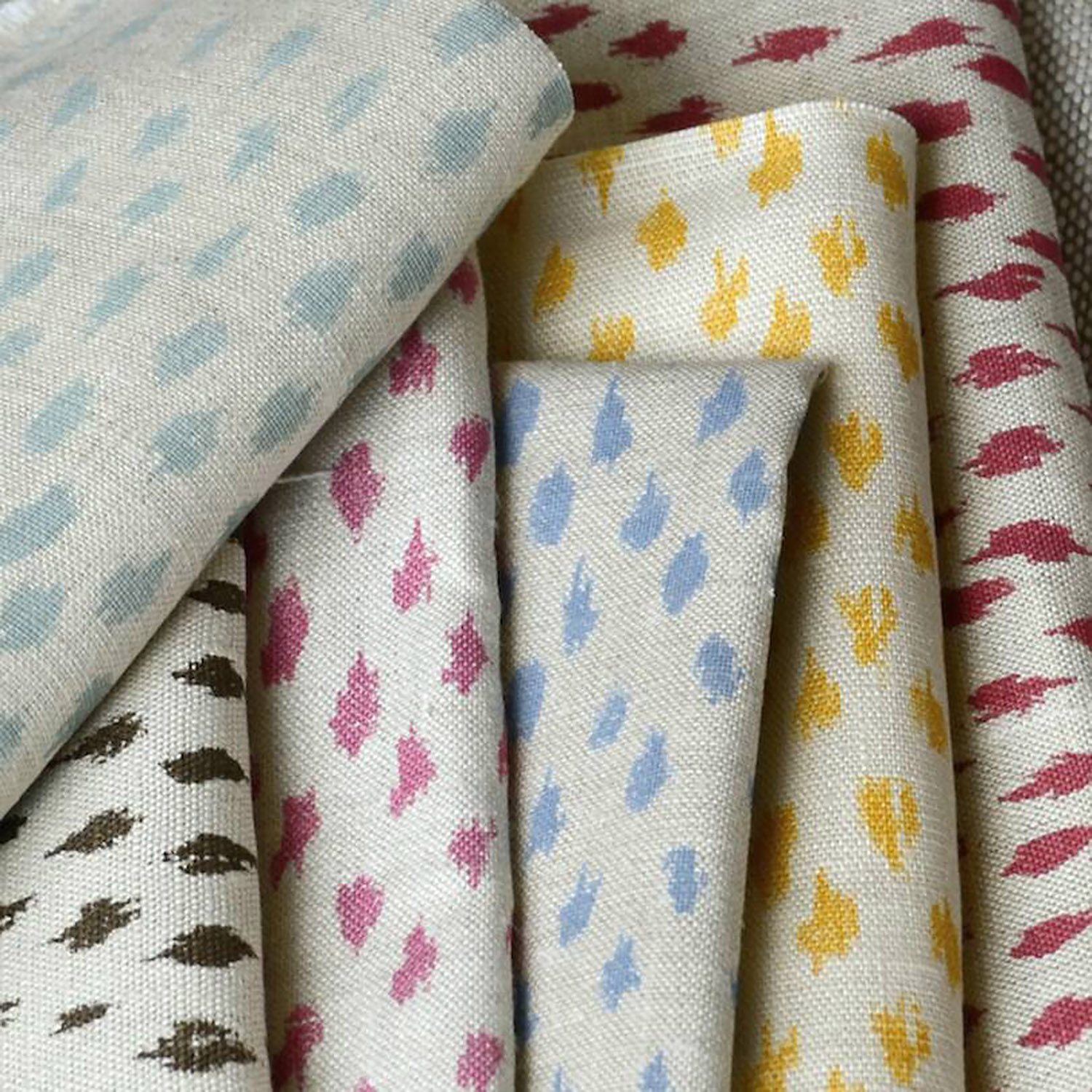 <p><strong>SMALL IKAT</strong>range<a href=/custom-print-collection/small-ikat-range>More →</a></p>