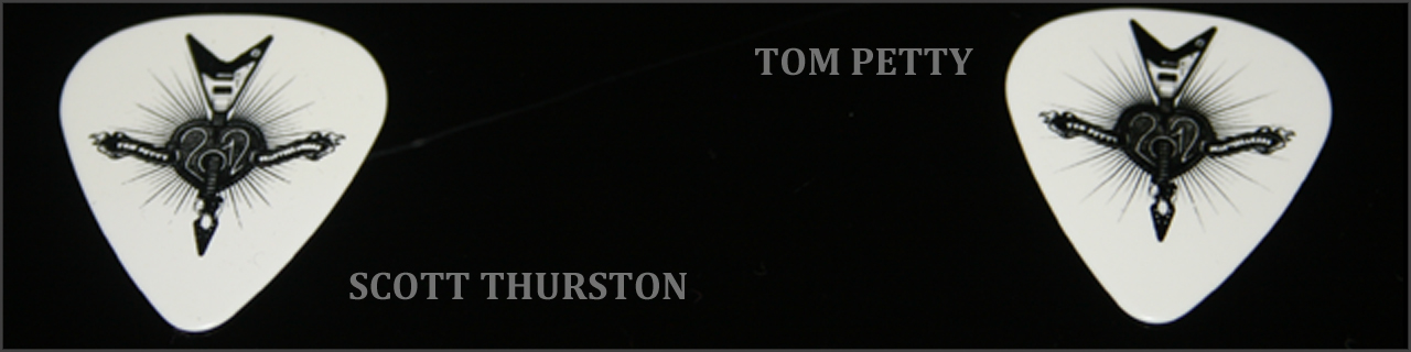 guitar-picks-tom-petty-scott-thurston3[1].jpg