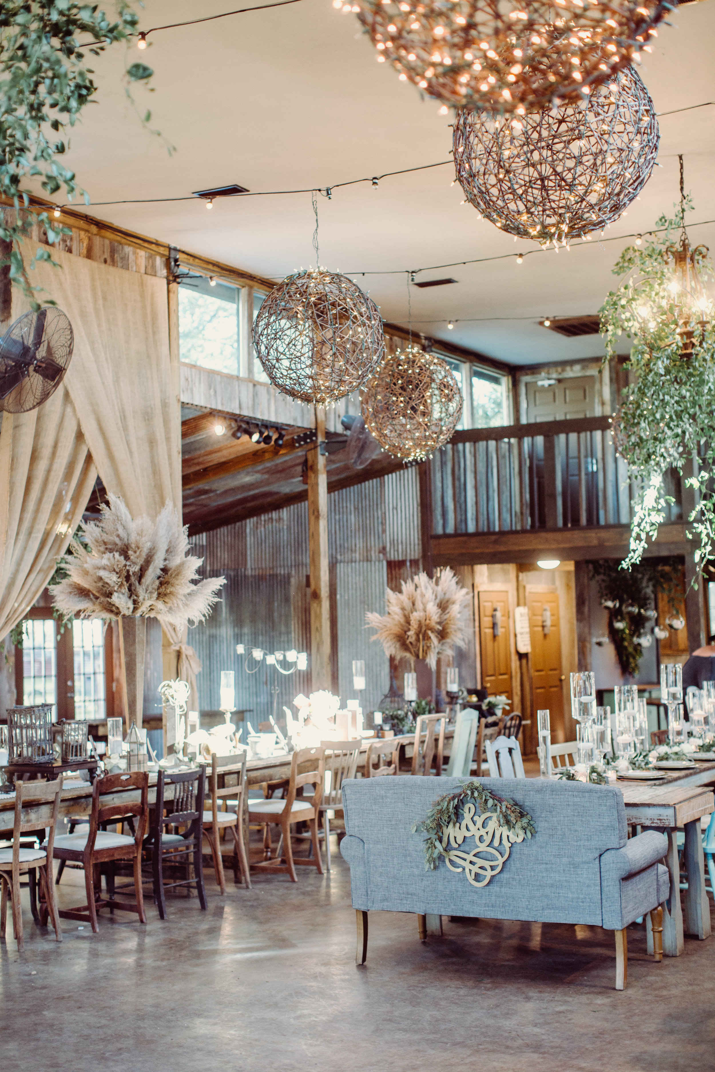 vista-west-ranch-ceremony-reception-barn-texas-hill-country-wedding-venue-with-lodging