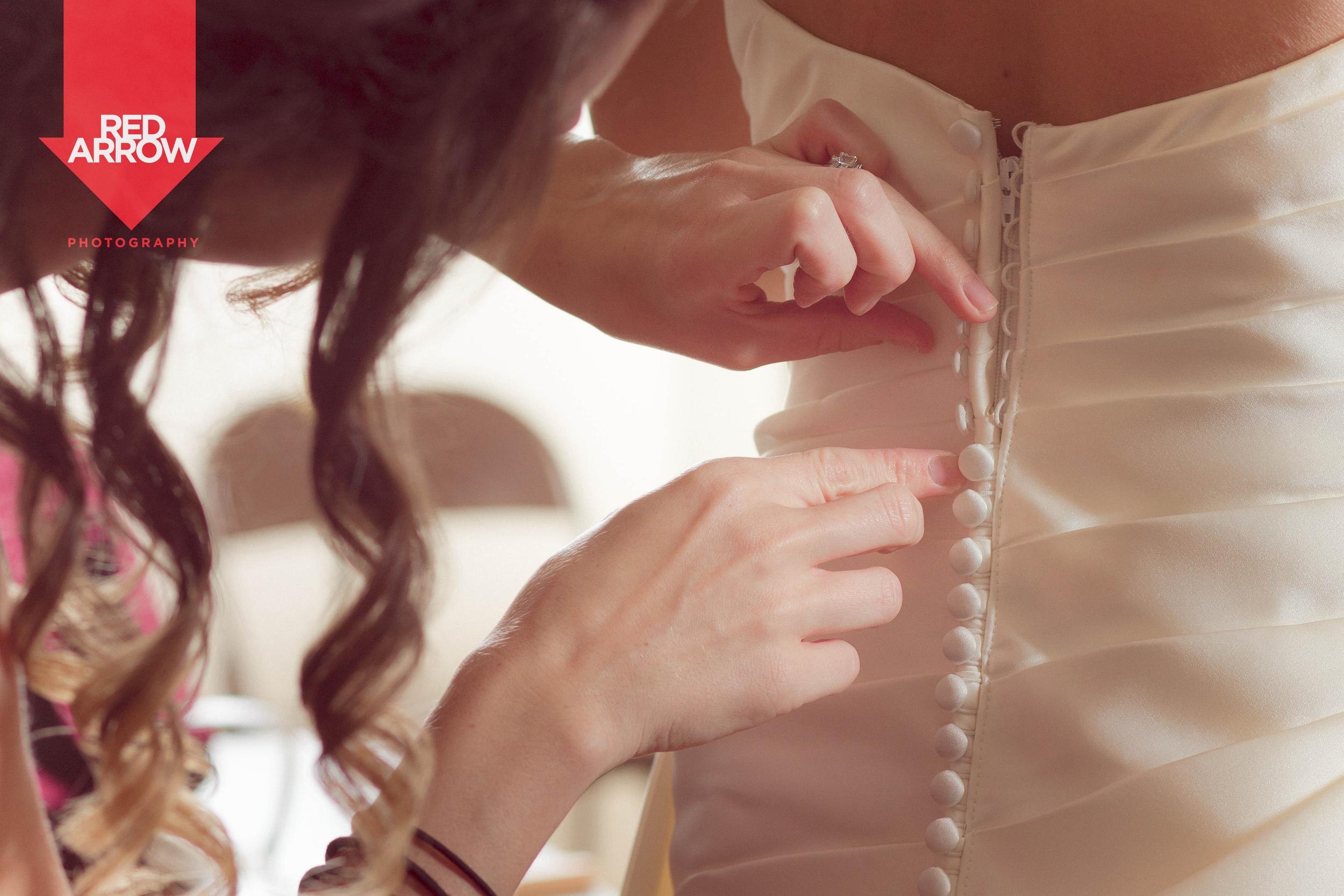 wedding_dress_buttons