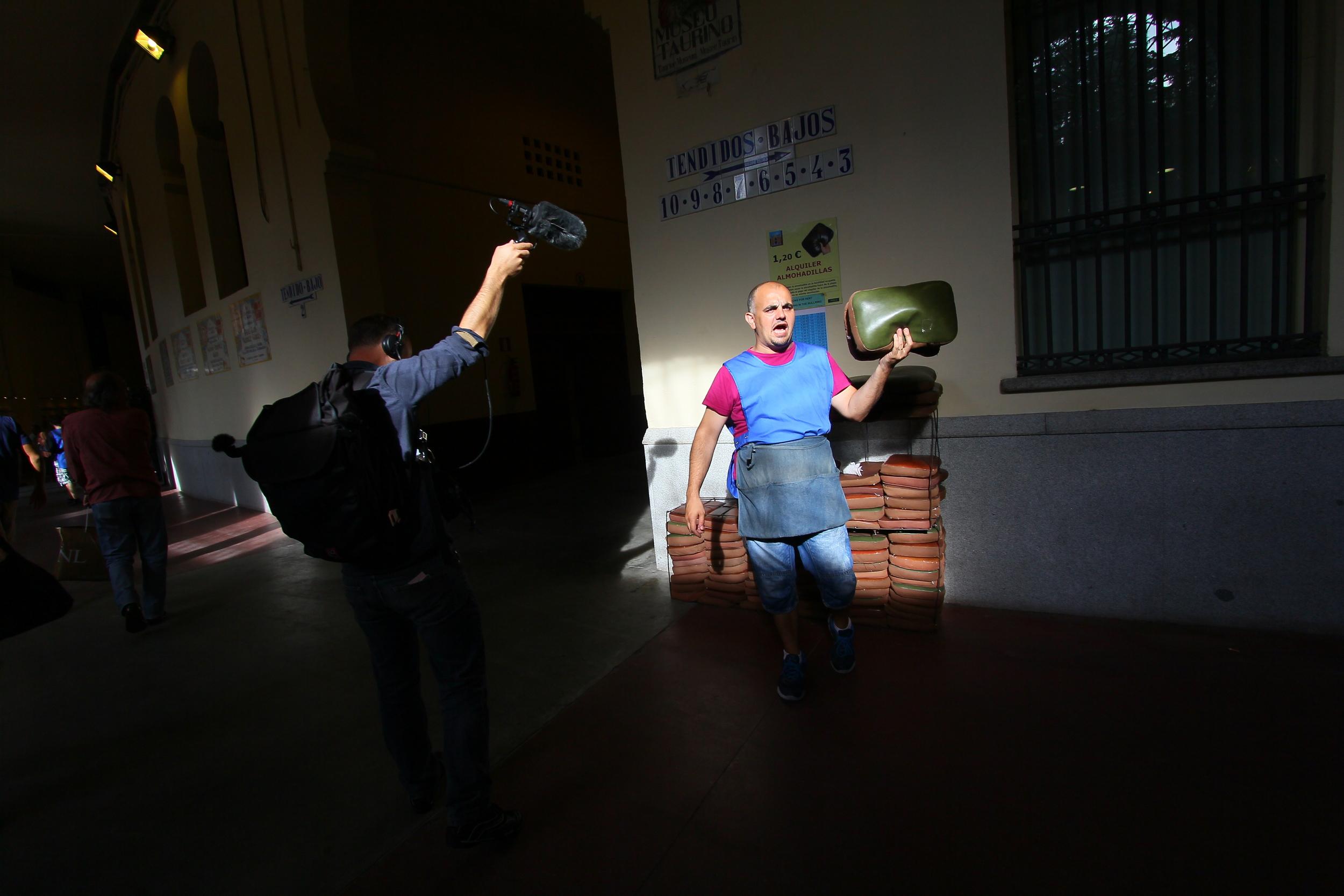 Street seller Spain (Sound Ark, 2014)