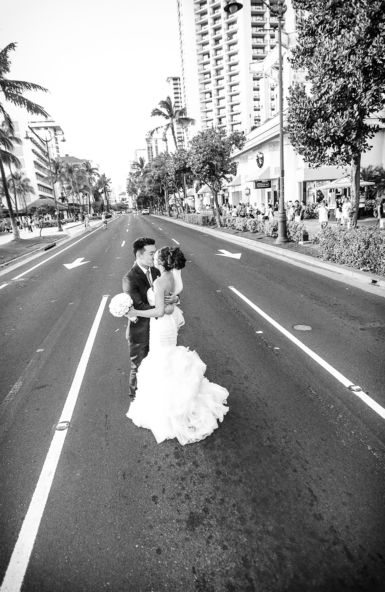 Erick Rhodes Photography Waikiki Wedding Photo.jpg