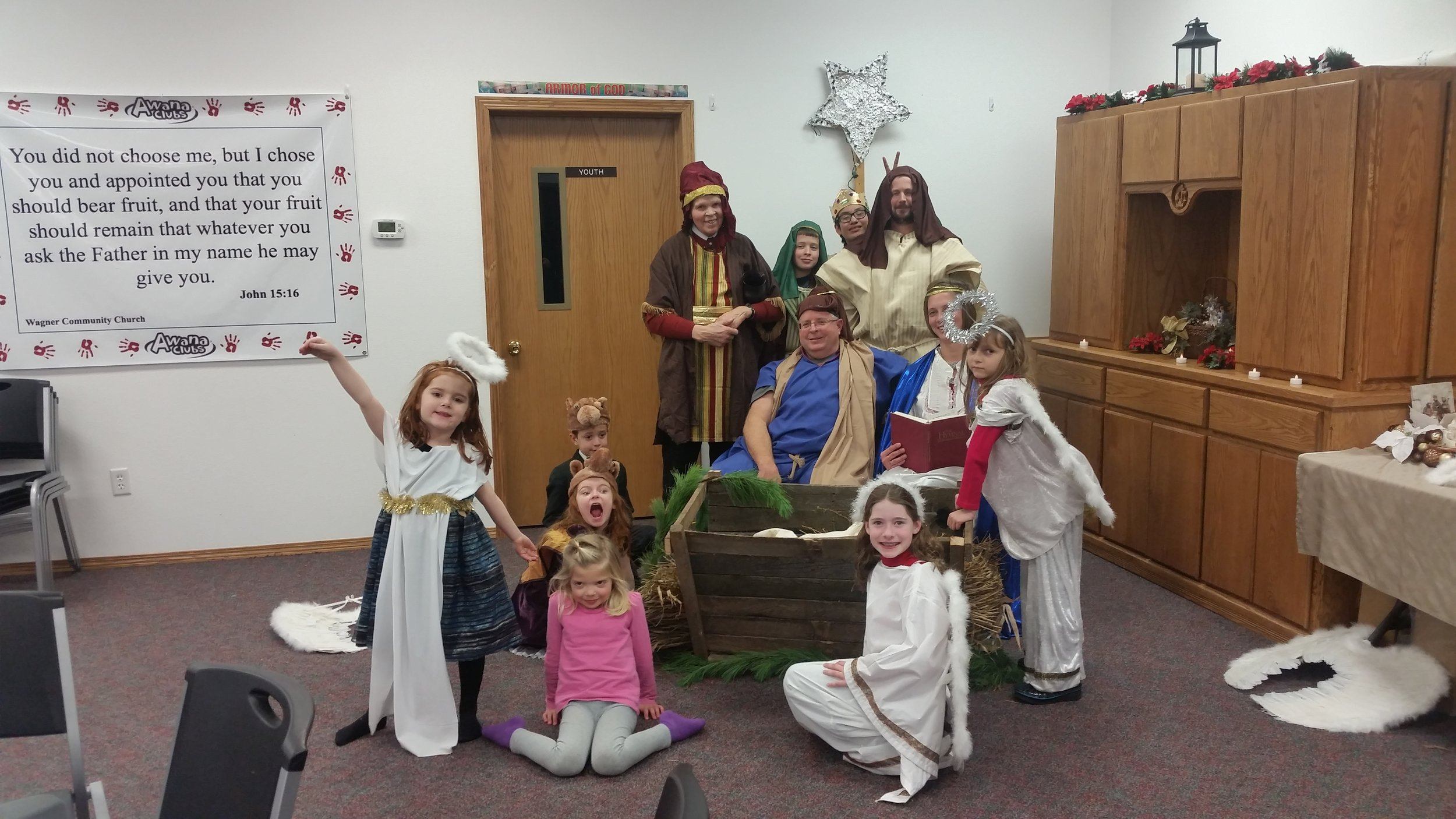 One church in South Dakota put on a sweet live nativity to entertain the guests before our concert. The camels really got into charachter!