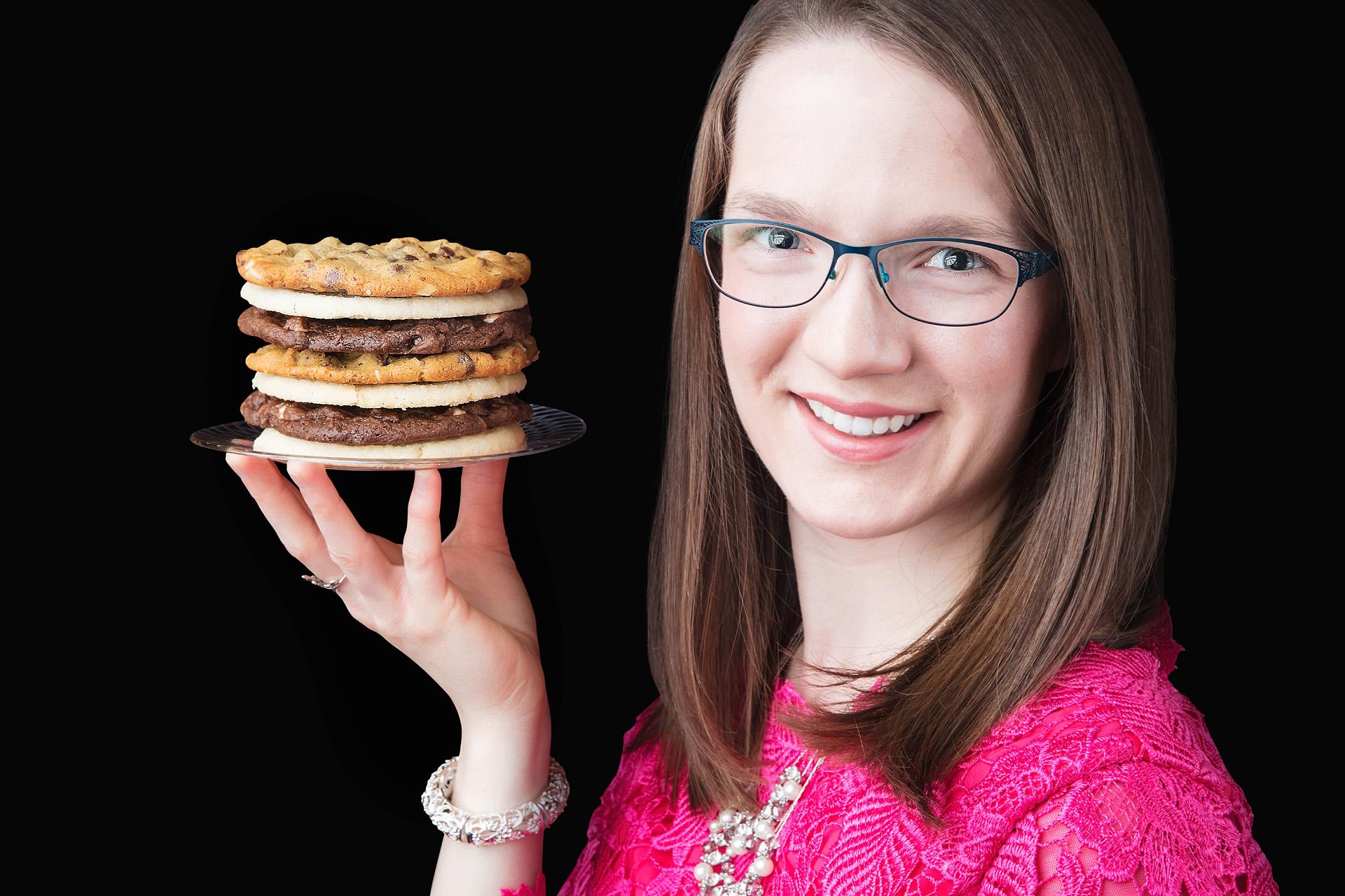 Laura-Christine-3342 cookies at The Johnson Strings smaller.jpg