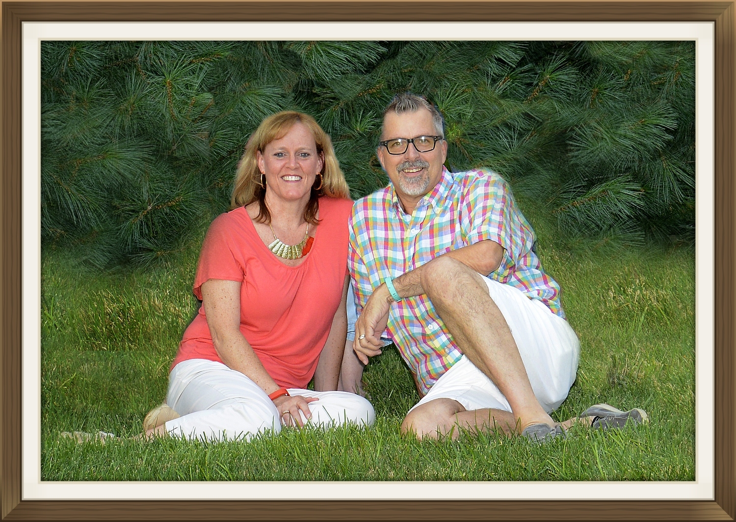 Chris and Lisa (husband/wife) own & operate SS framing & Photography located in beautiful Pawleys Island.