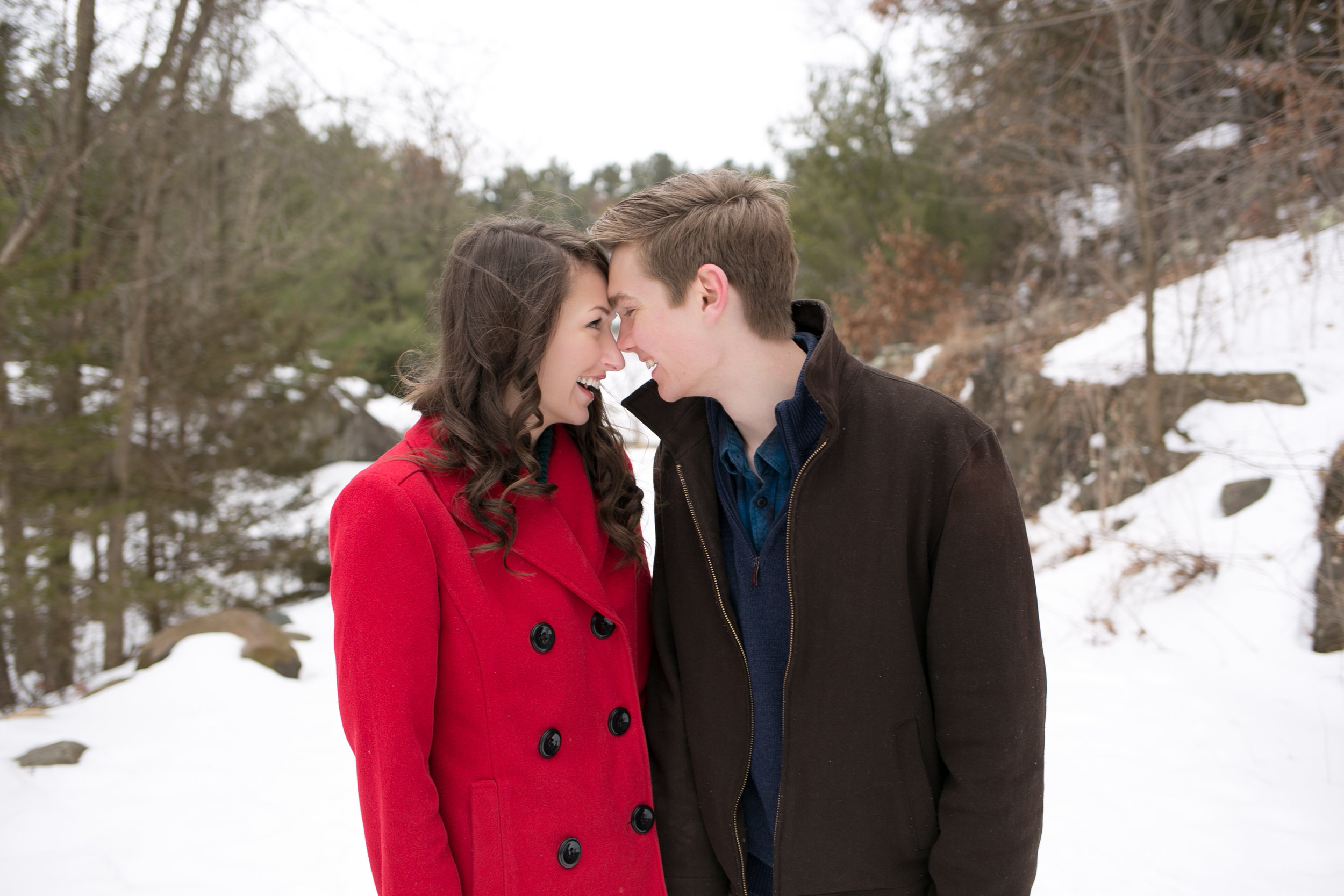 Minneapolis-winter-Engagement-Photos (9 of 20).jpg
