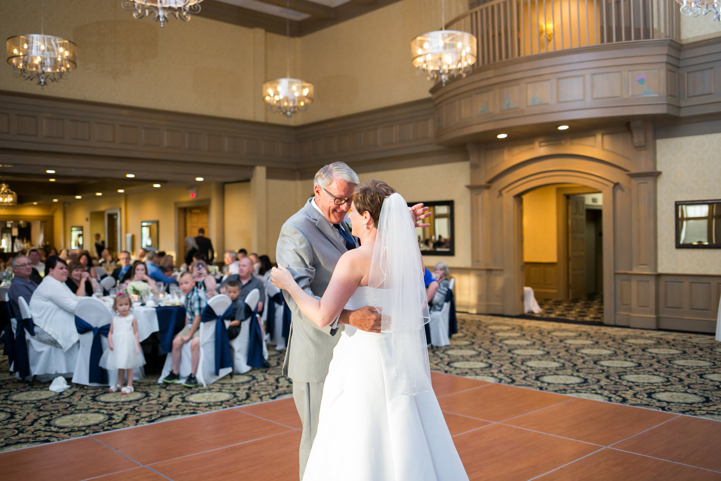 Rush Creek Golf Club Maple Grove MN Wedding (38 of 46).jpg