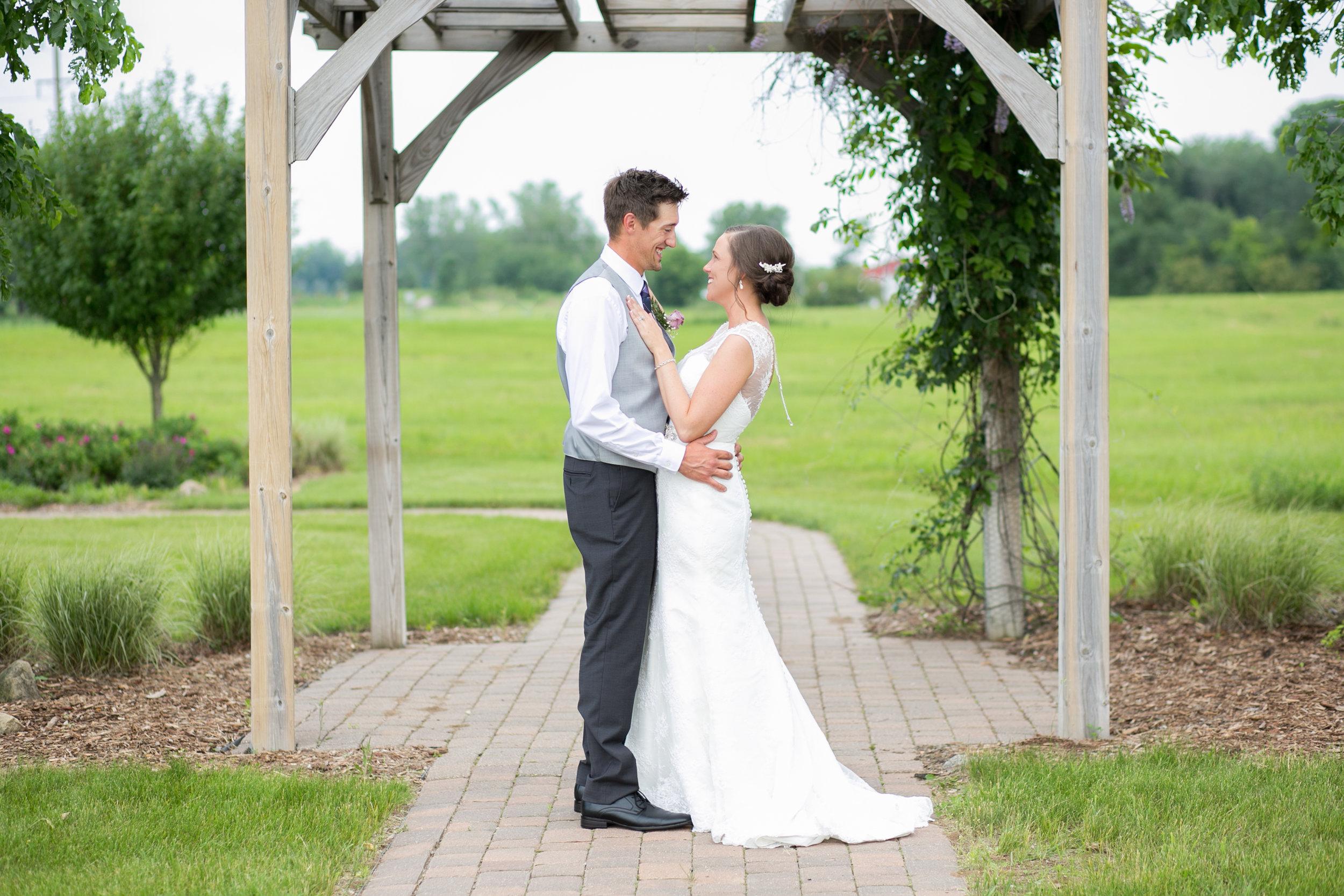 Minneapolis Wedding Photographers (33 of 59).jpg
