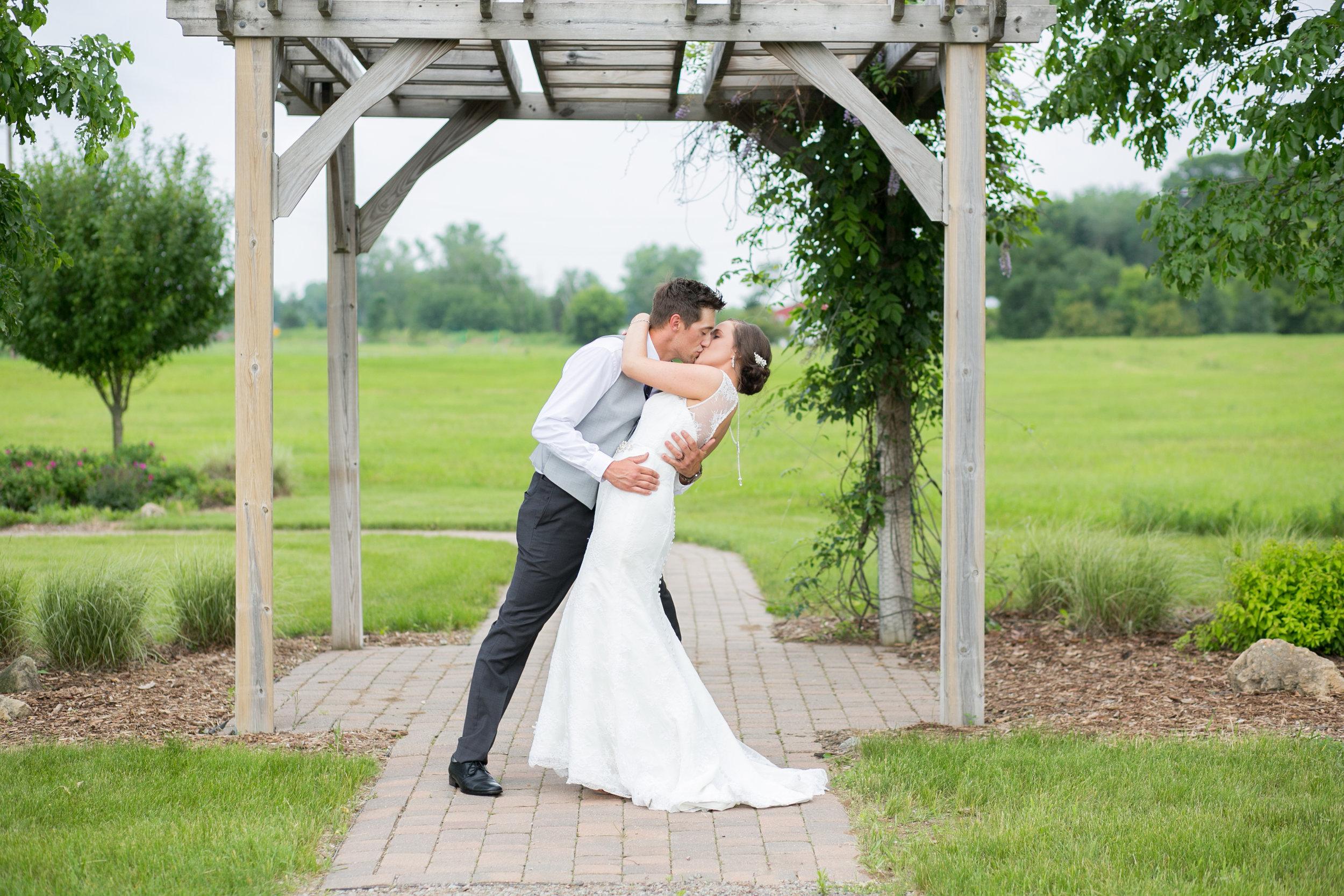 Minneapolis Wedding Photographers (34 of 59).jpg