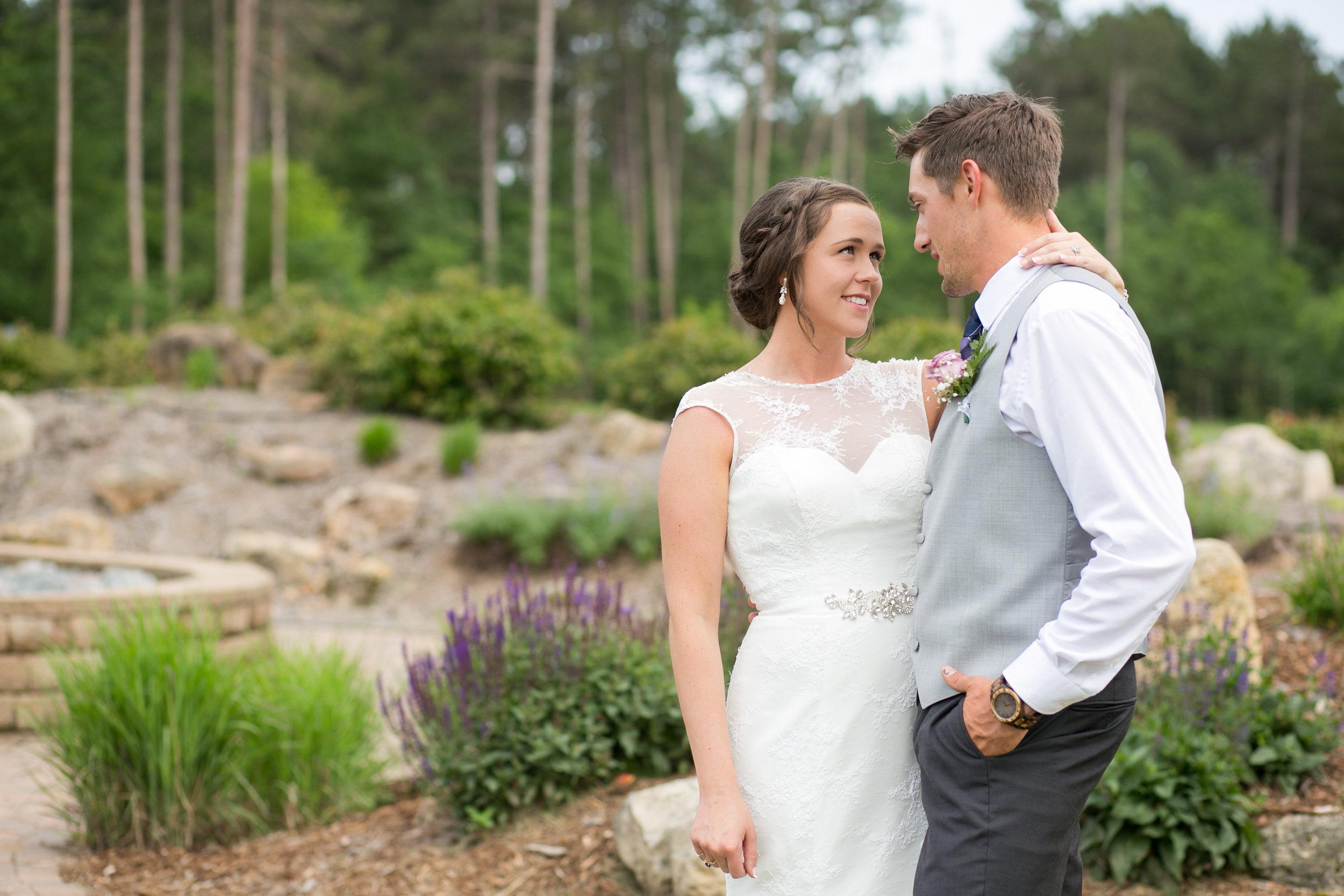 Minneapolis Wedding Photographers (39 of 59).jpg
