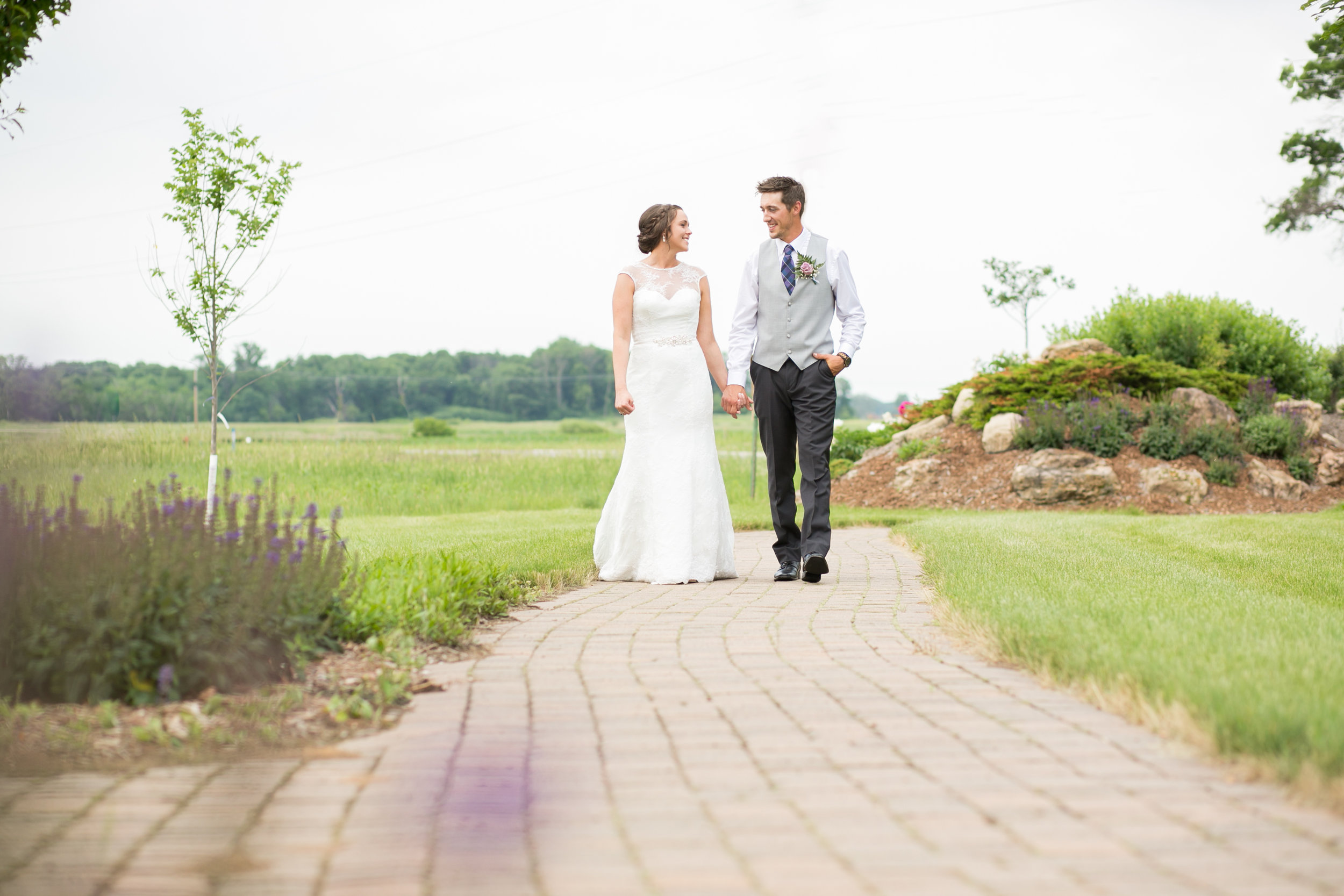 Minneapolis Wedding Photographers (40 of 59).jpg