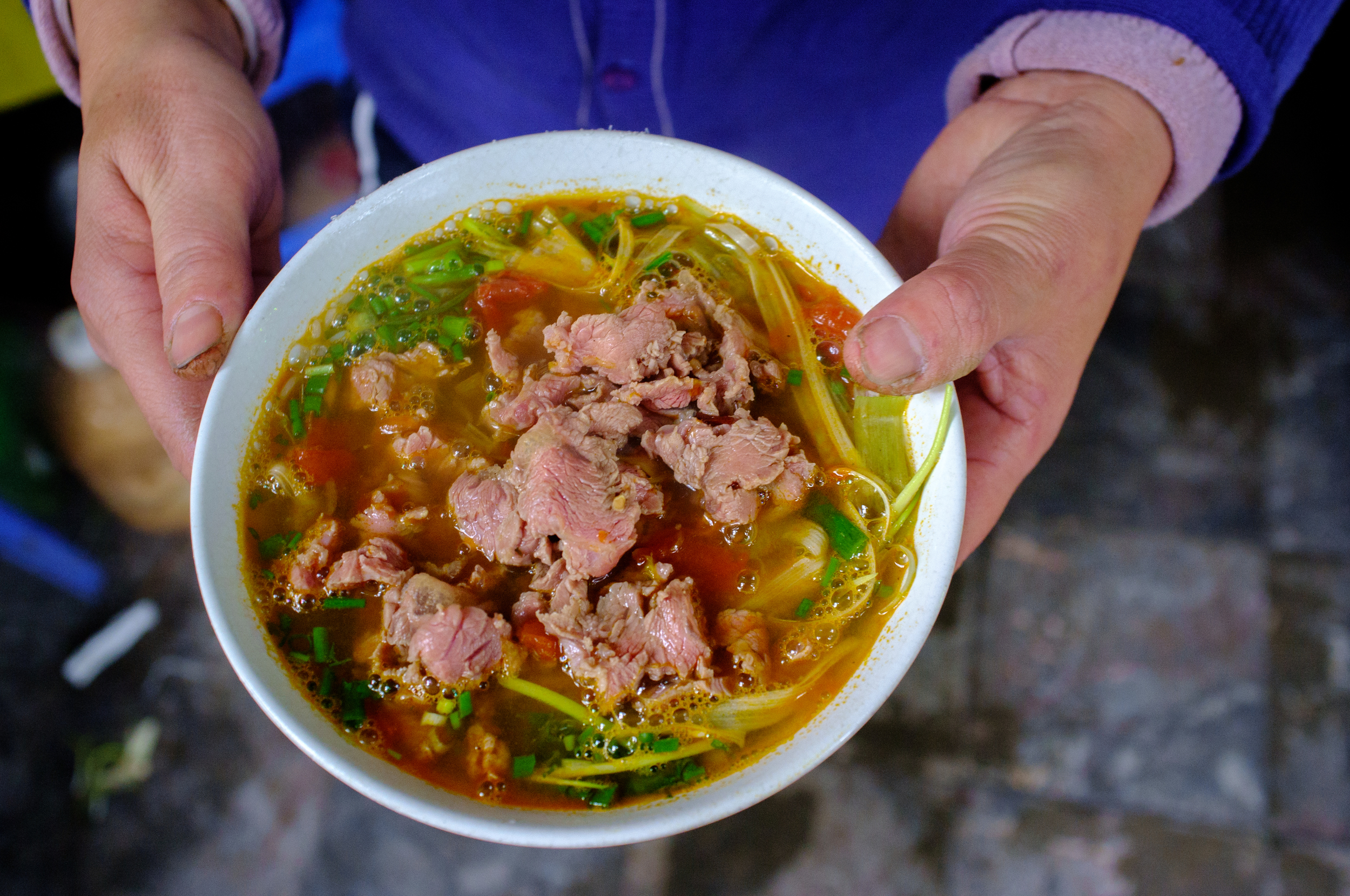 A beautiful bowl of  bún riêu cua bò  for lunch