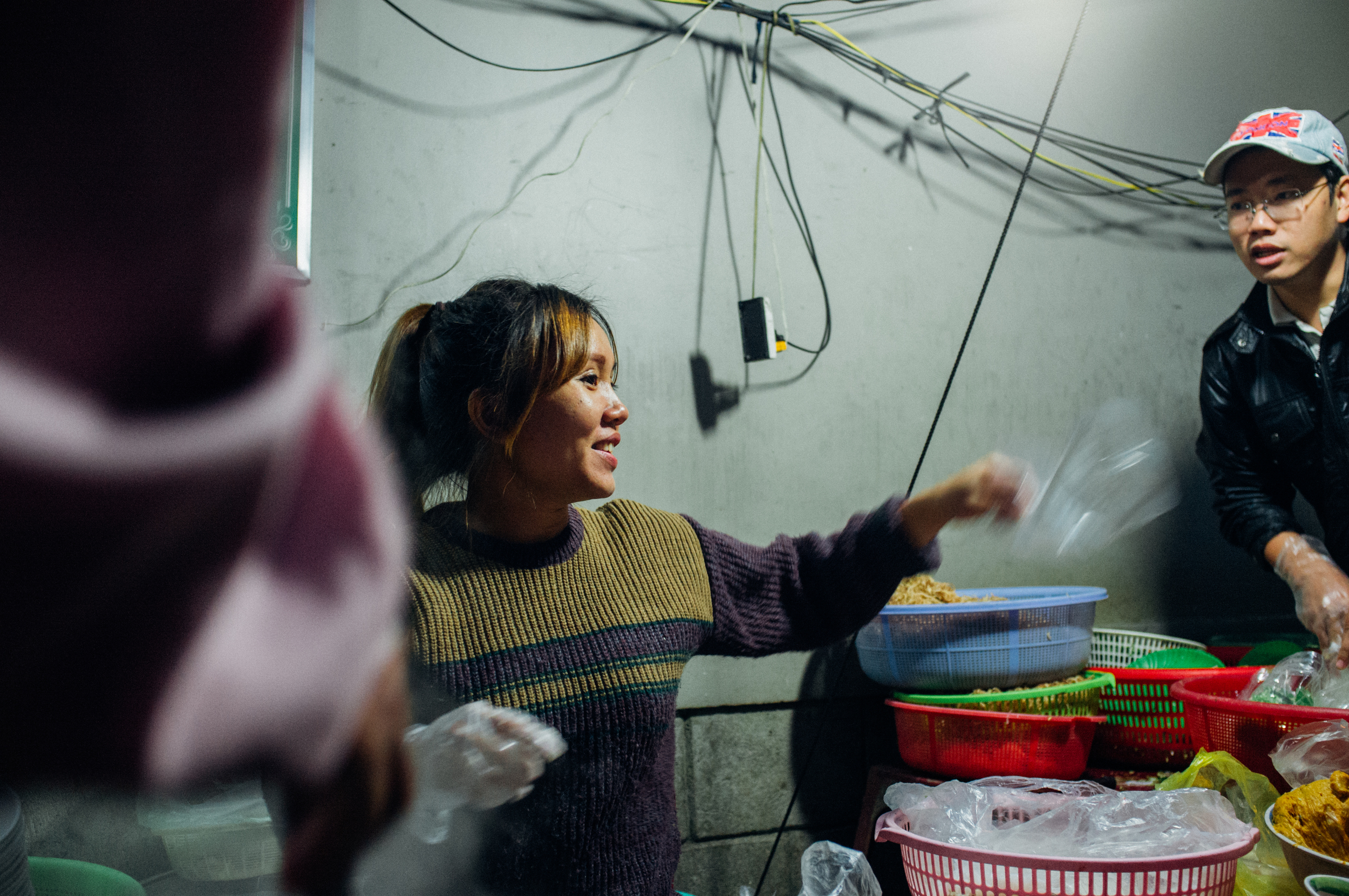 Cheery  b  ún bò Huế vendor