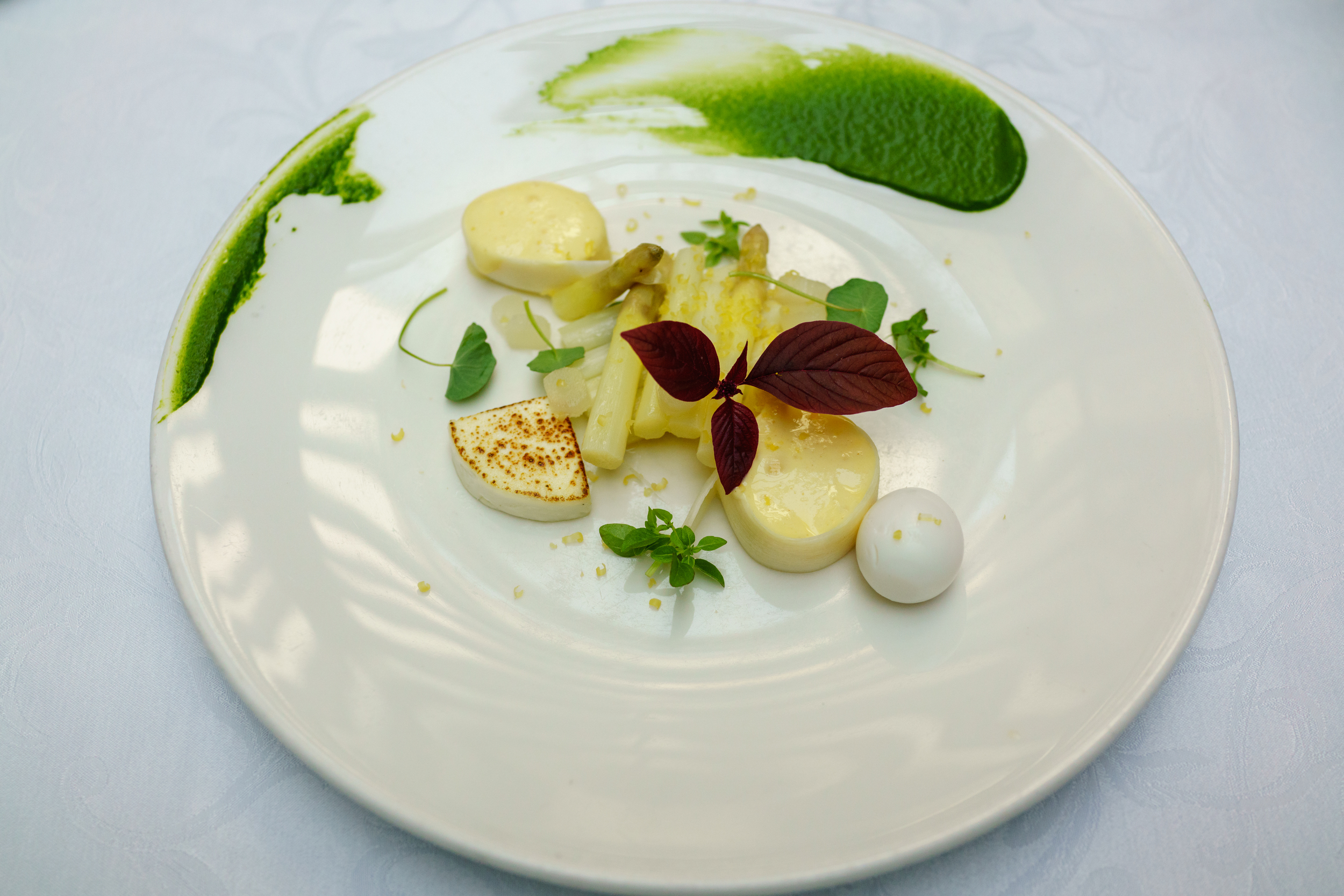 Poached asparagus with goat cheese and horseradish hollandaise, Restaurant Tchaikovsky, Tallinn