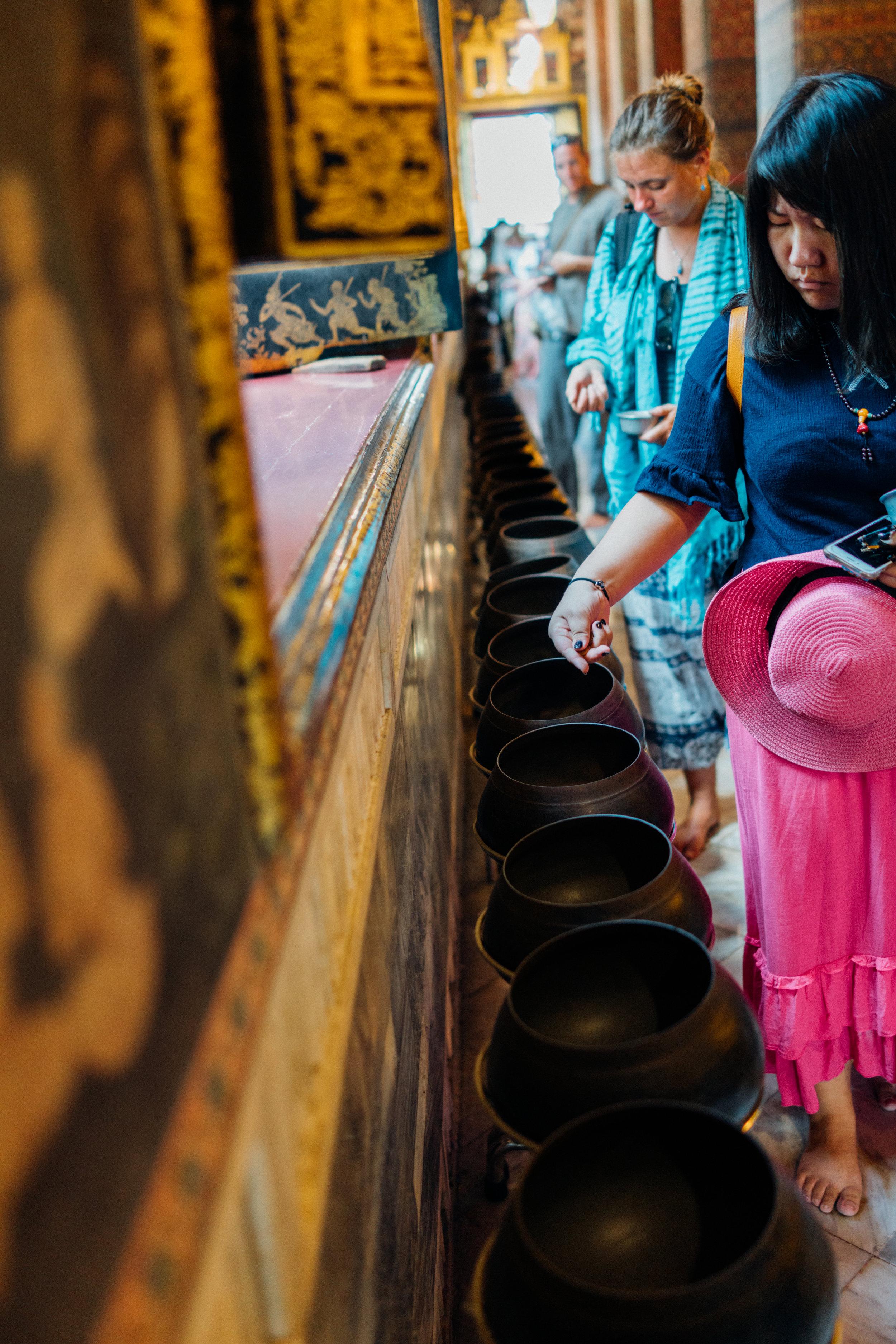 Offerings at Wat Pho
