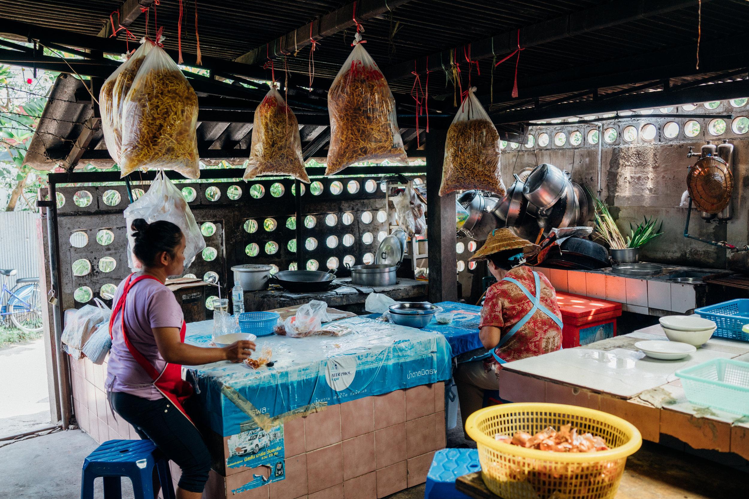 Preparations at Khao Soi Lam Duan
