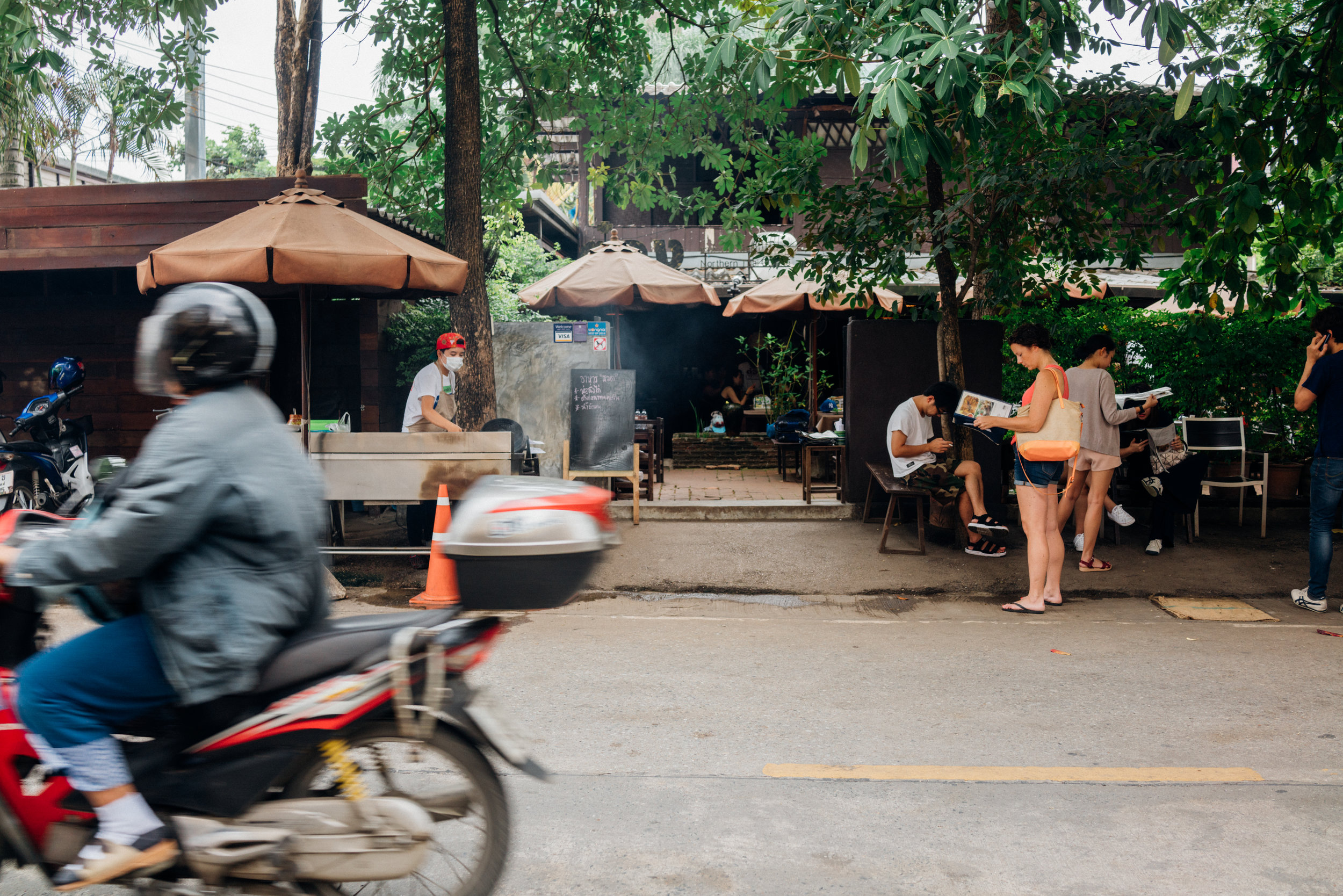 The grill and the wait at Tong Tem Toh