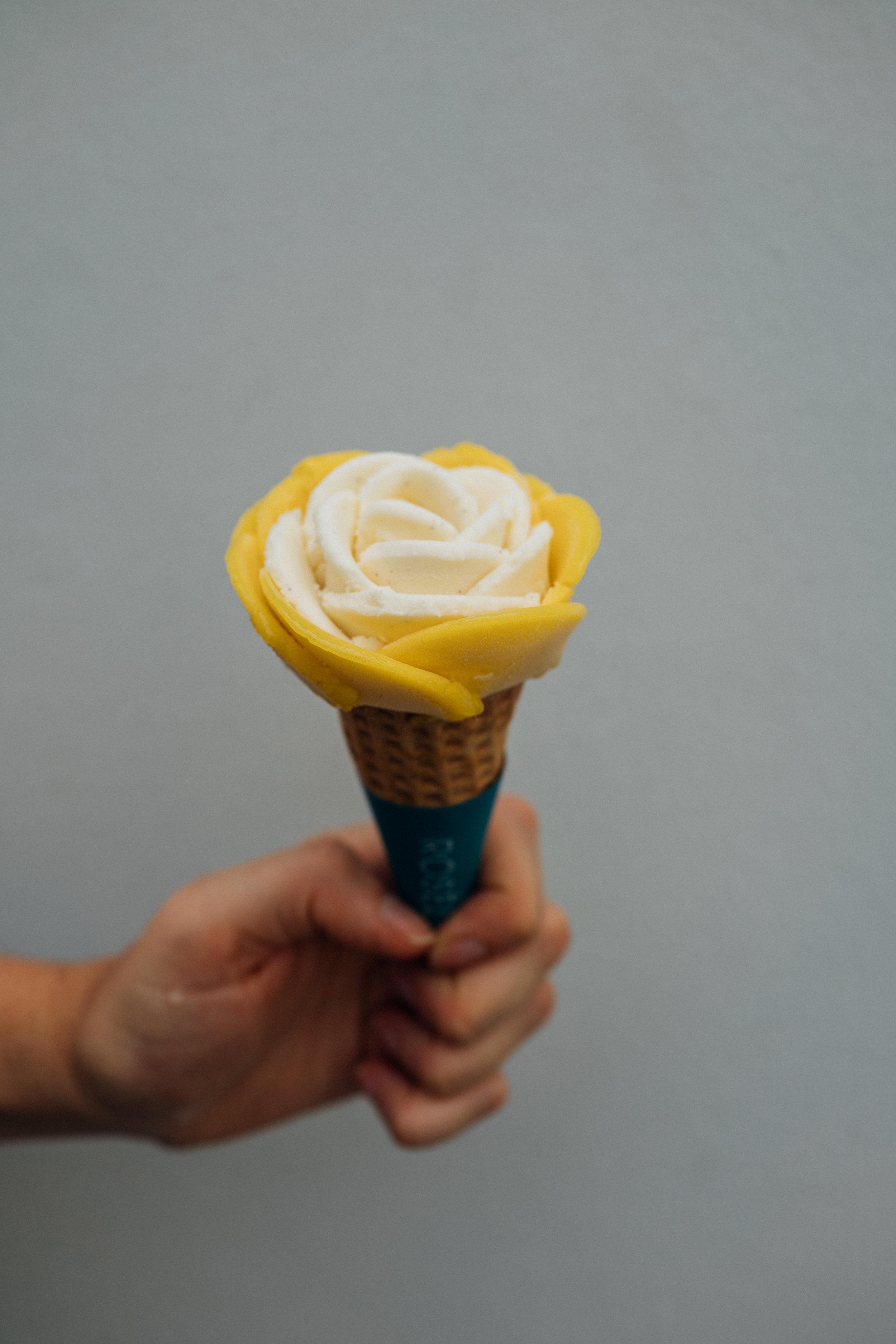 Mango and  fior di latte gelato