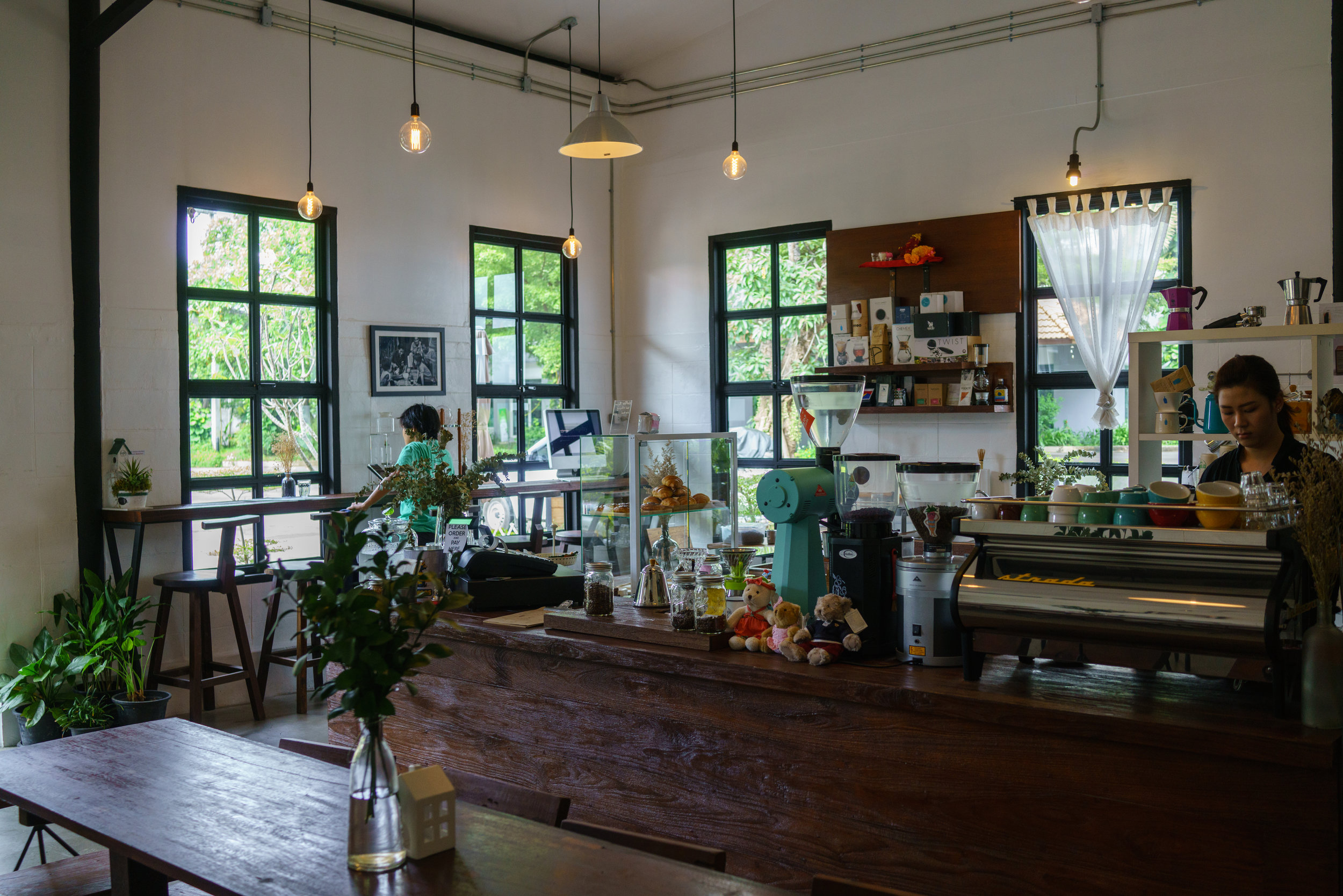 A quiet morning at Cottontree Coffee