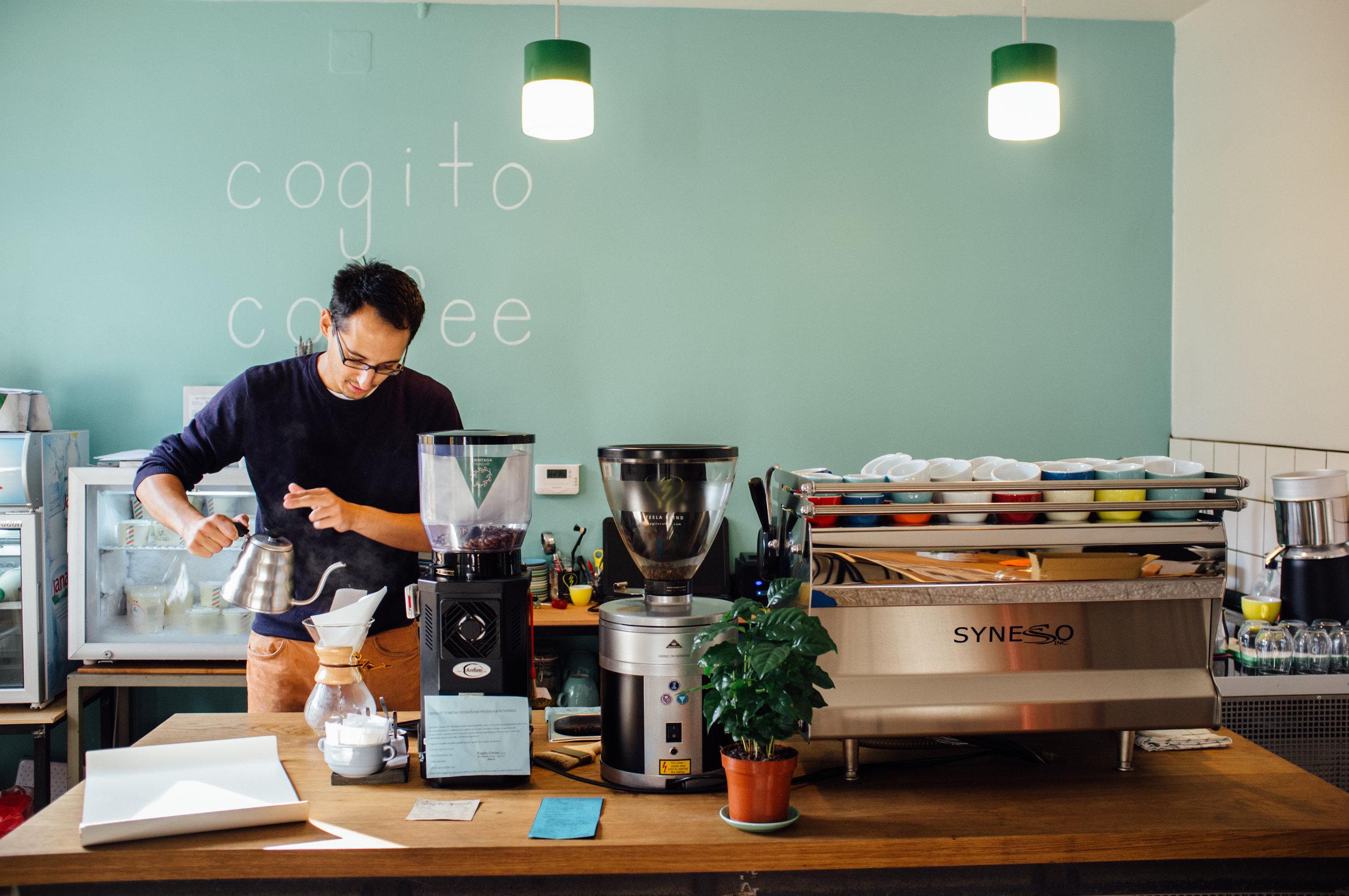 Matija Hrkač of Cogito Coffee, brewing a Chemex