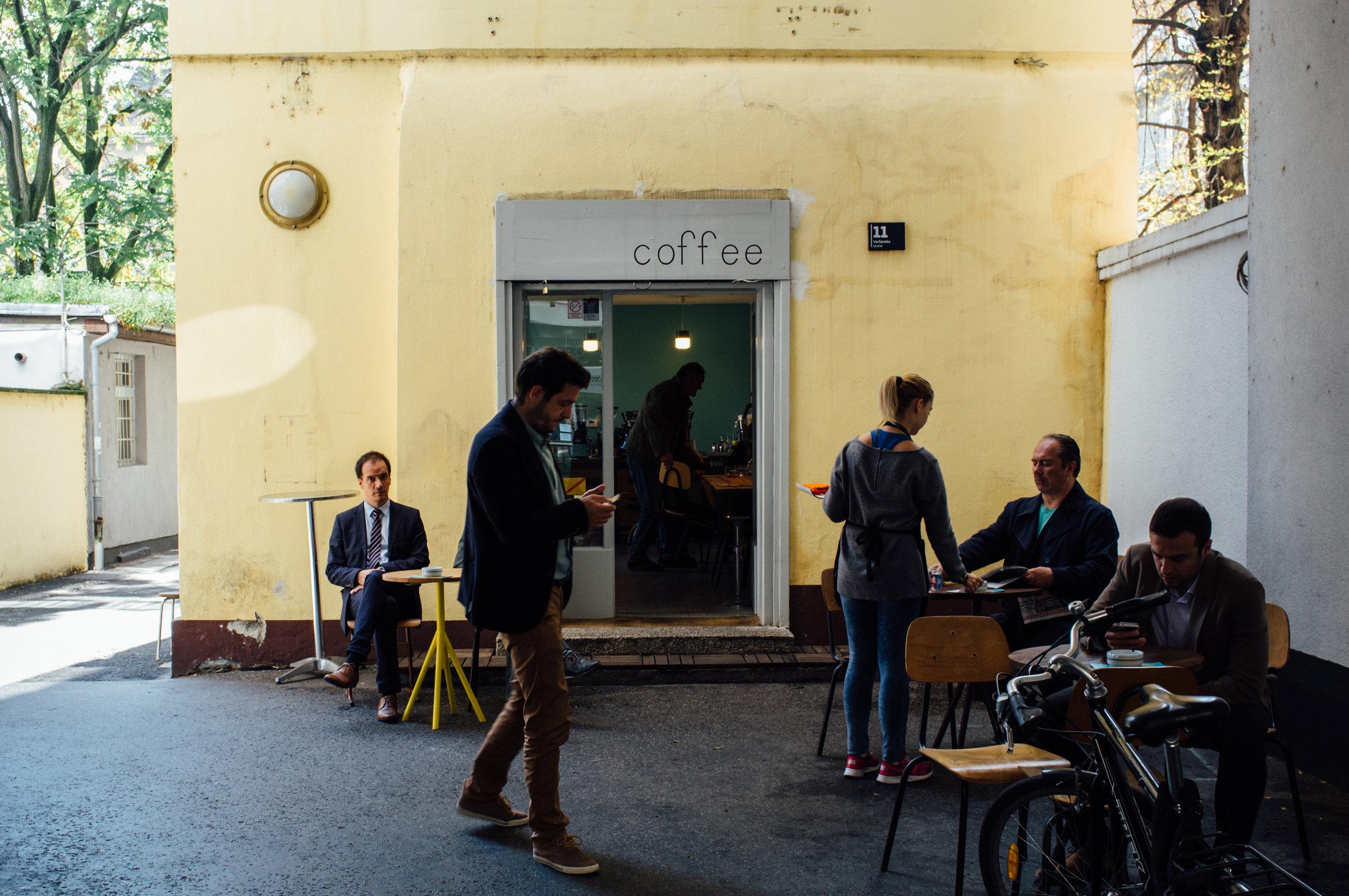 Cogito Coffee's peaceful  dvorište , or courtyard