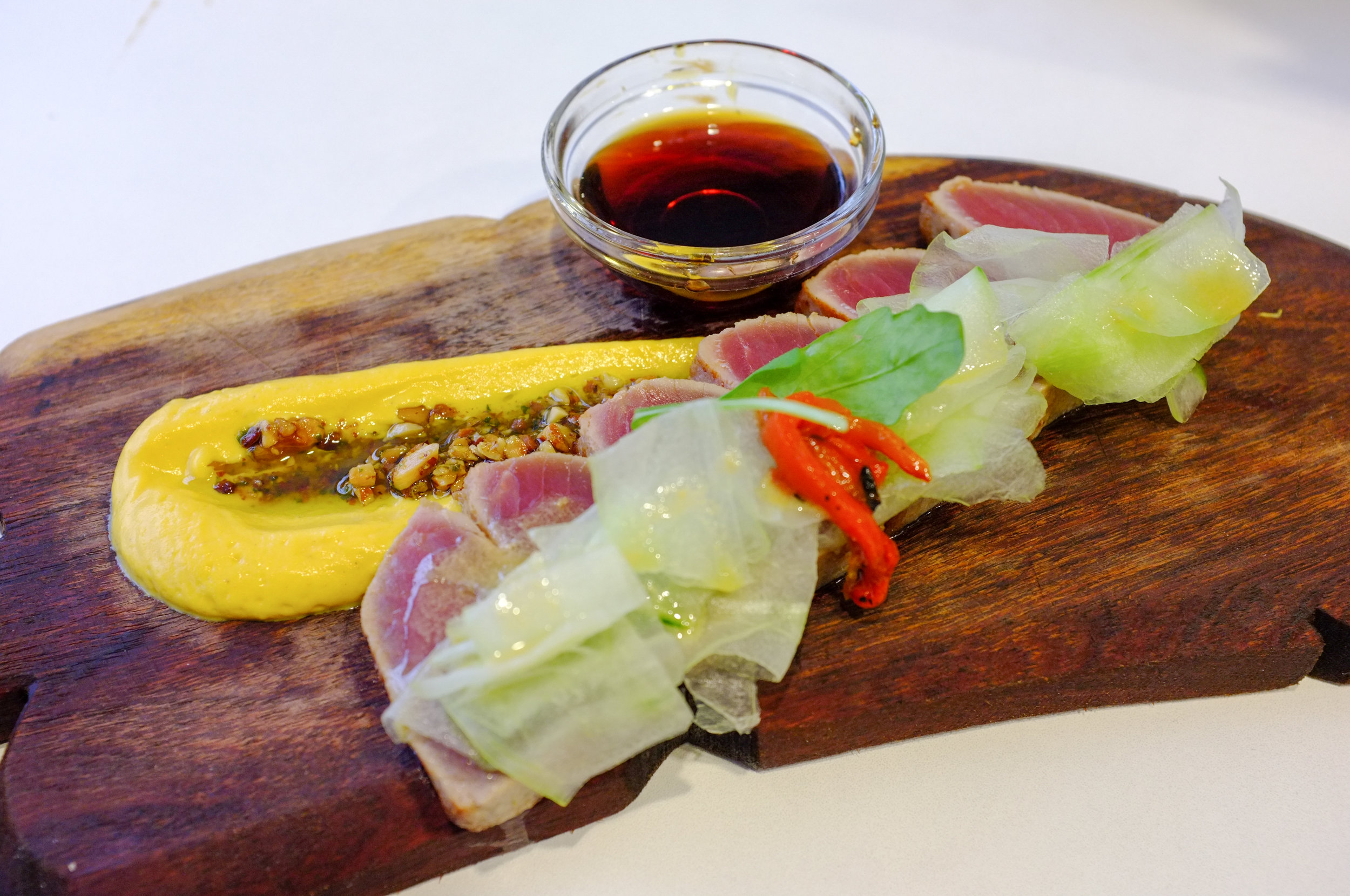 Seared tuna, cooked rare, at Mondoaka Street Food