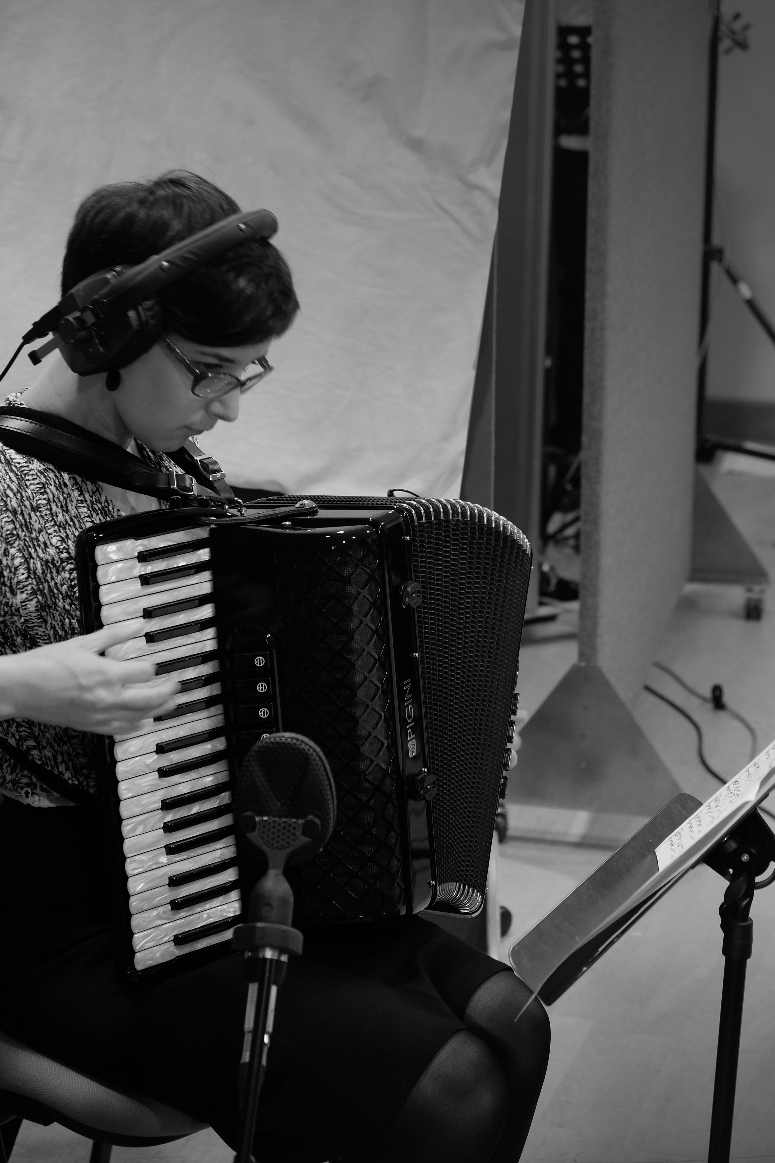 Amy Thatcher - accordion and clog dancing