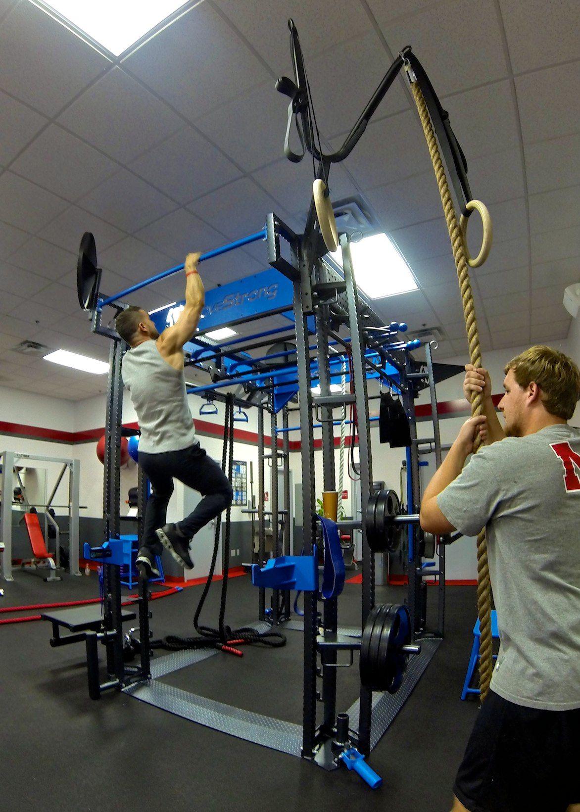 Snap Fitness-Functional training equipment
