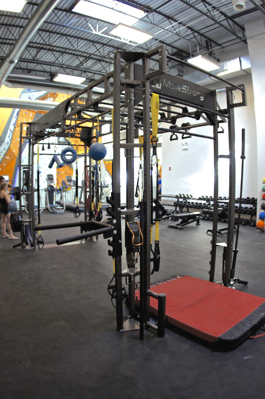 Functional training equipment climbing