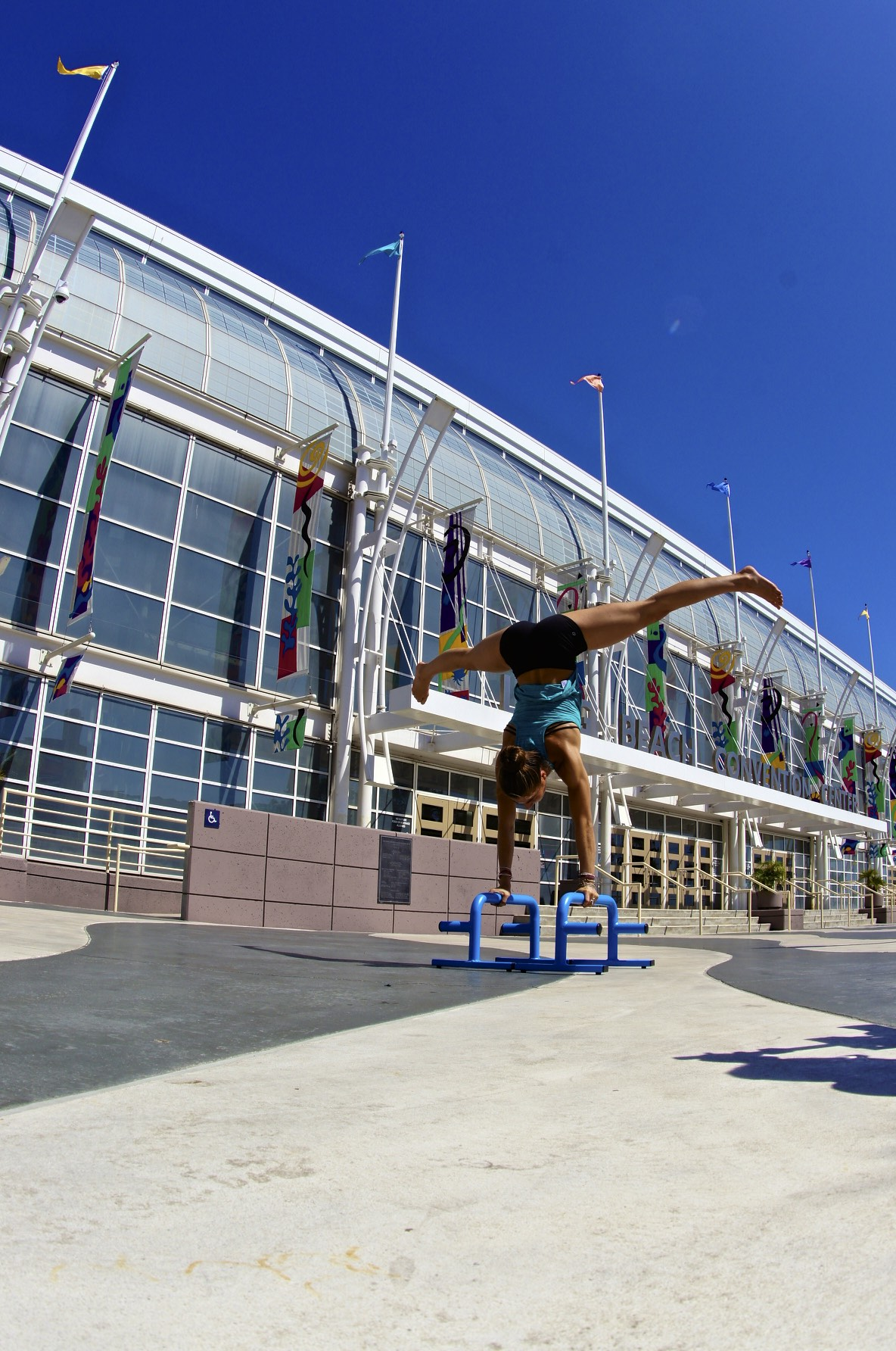 Handstand-parallettes-m3-bars