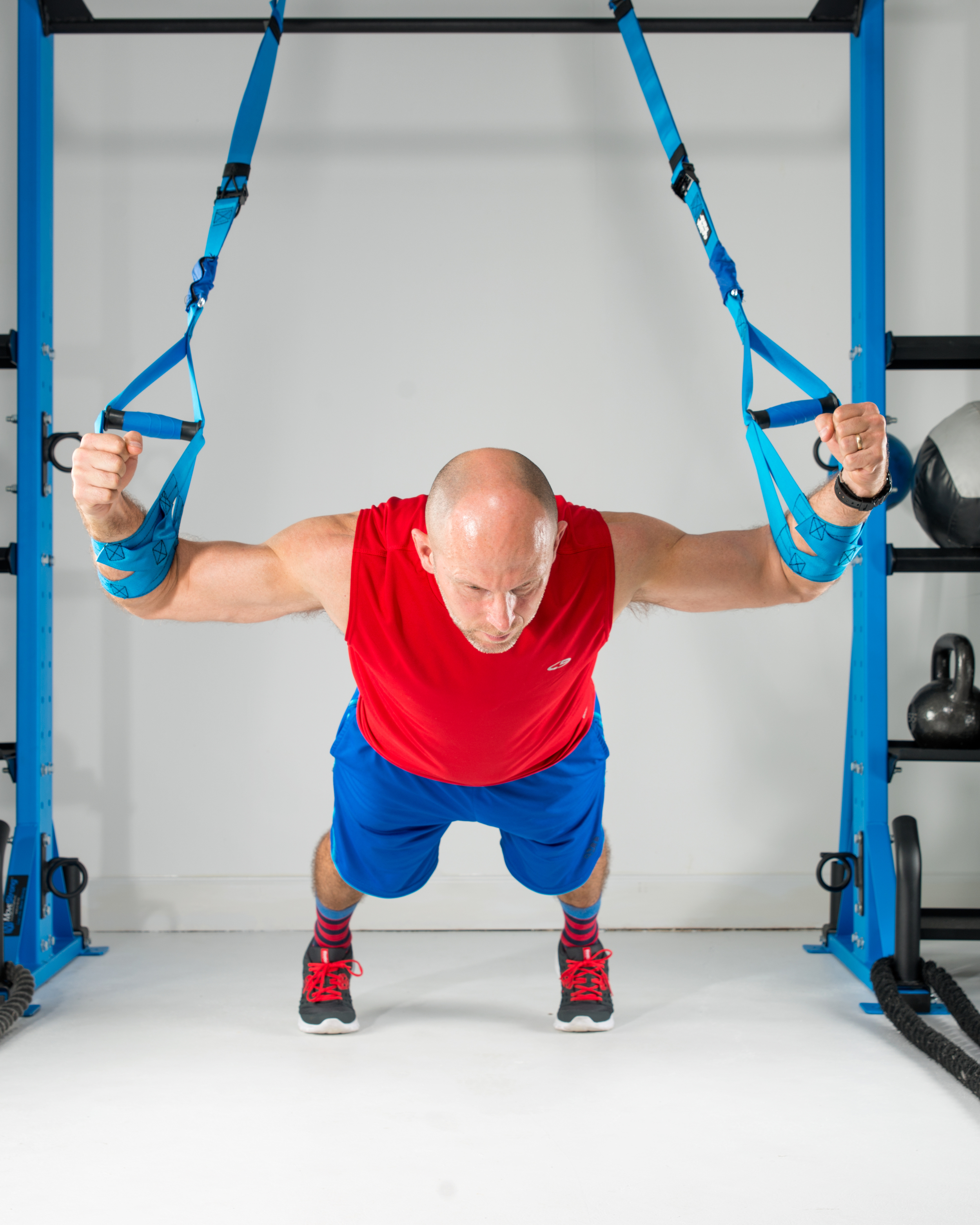 chest fly suspension exercise