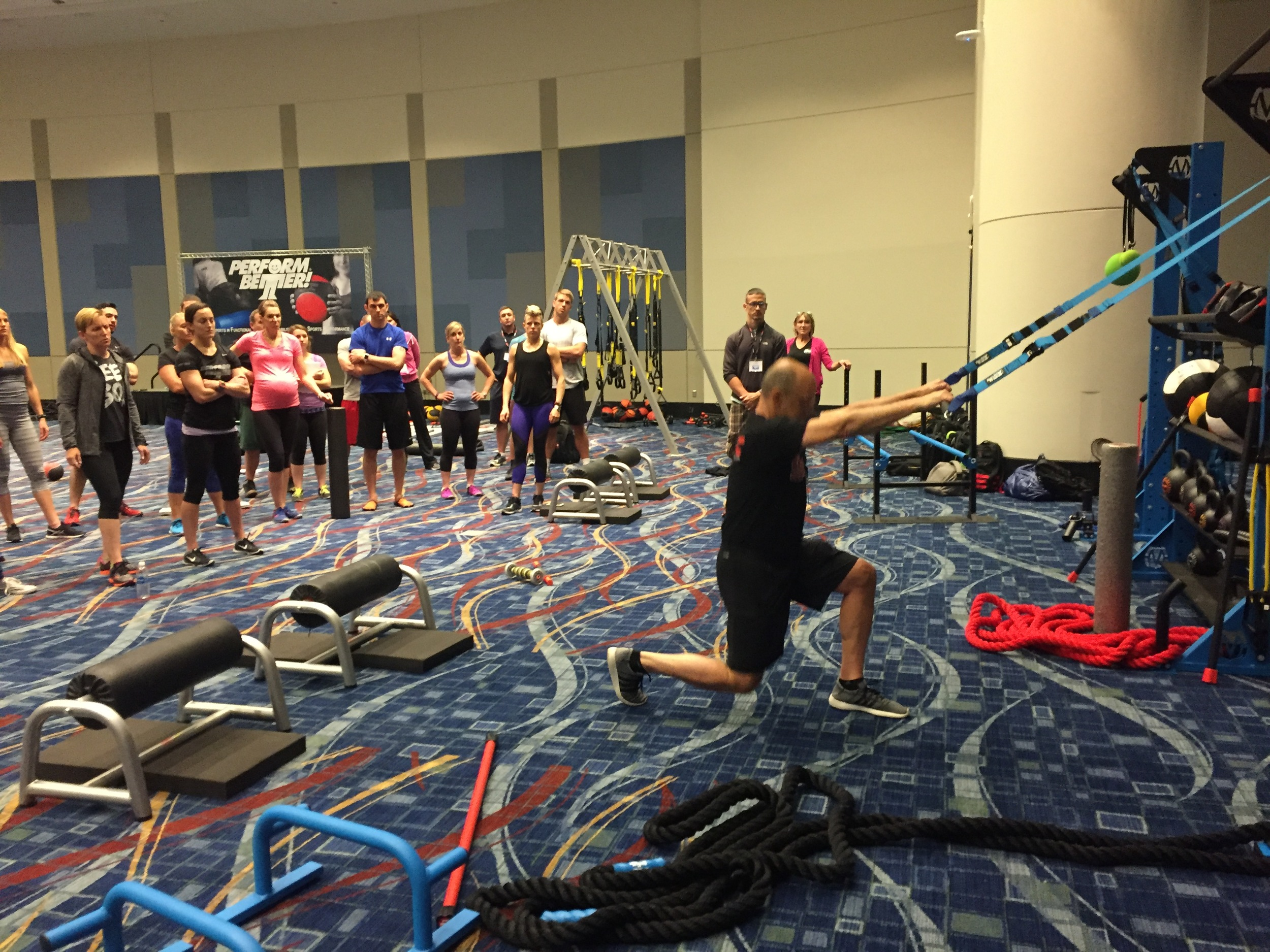Mike Boyle teaching bodyweight exercise