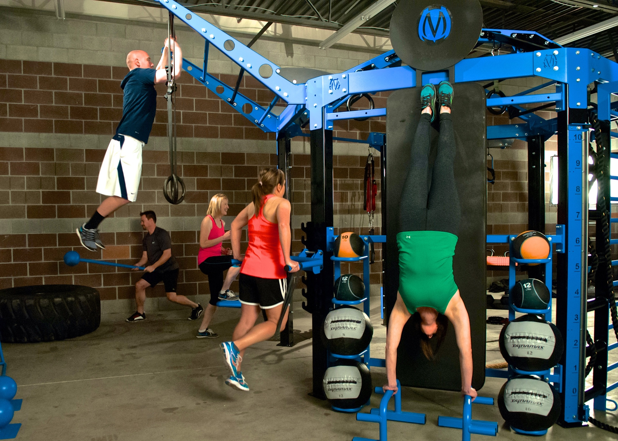move_strong-185 - Version 2.jpg