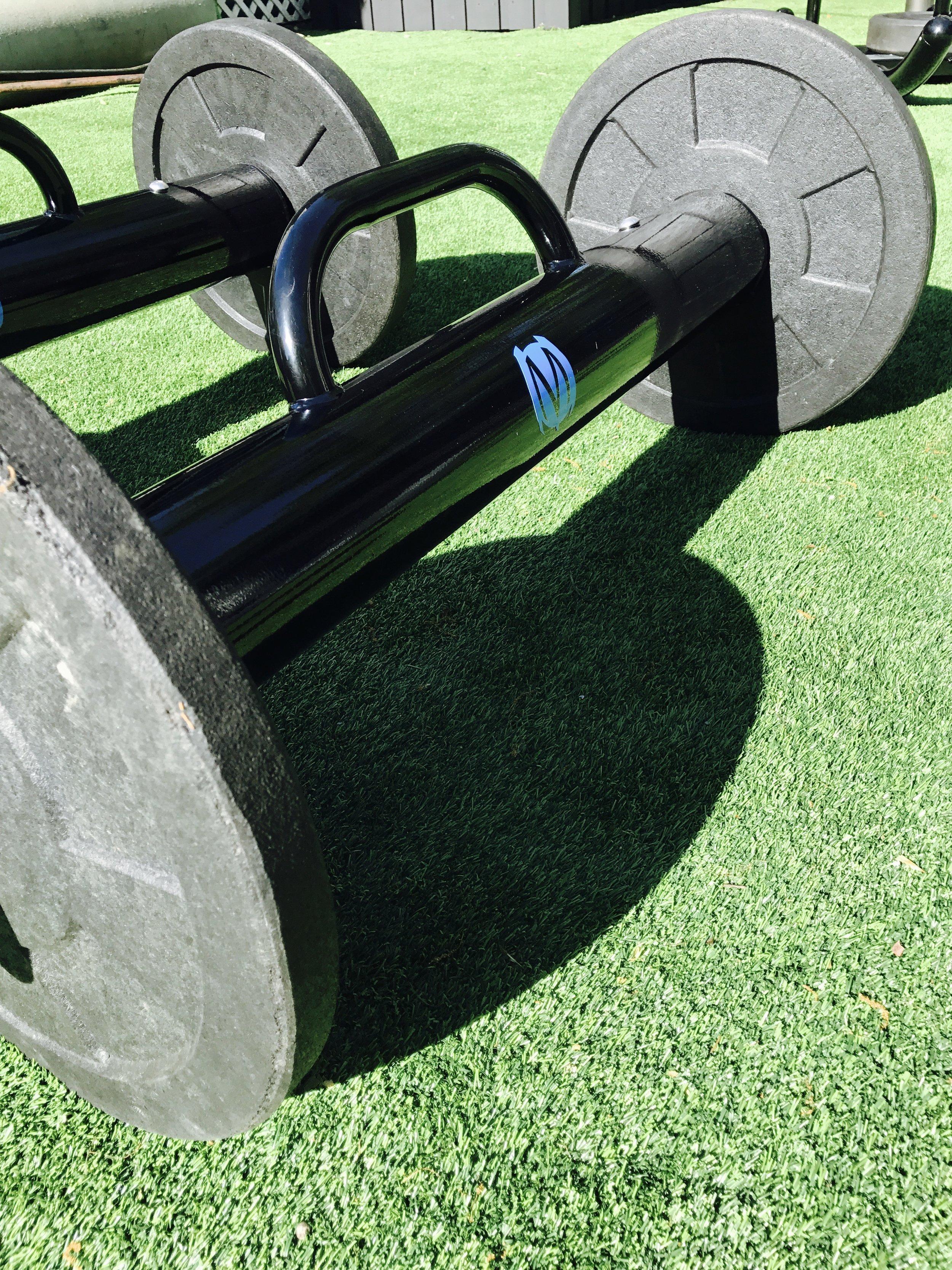 Outdoor functional fitness equipment
