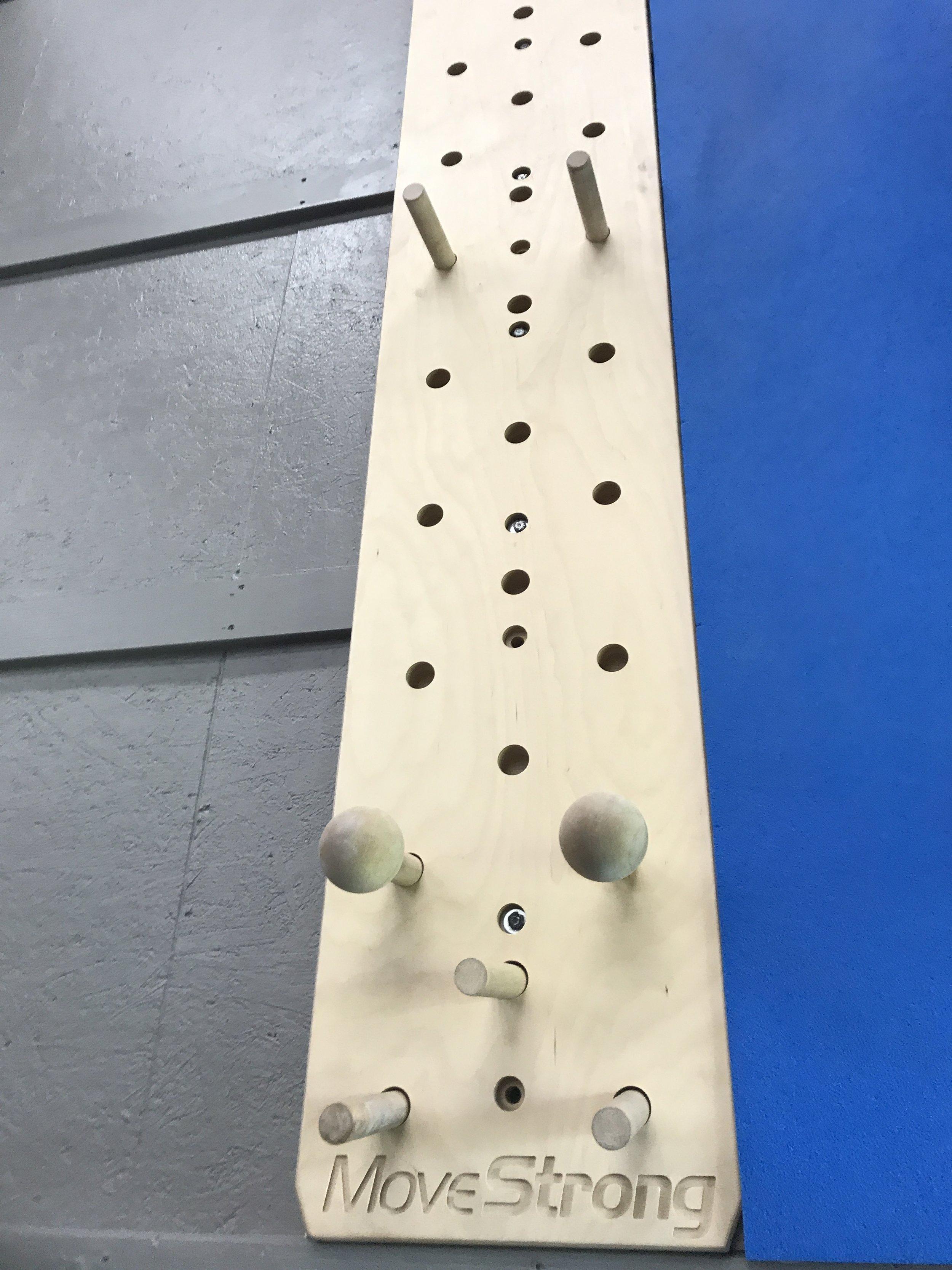 MoveStrong peg board